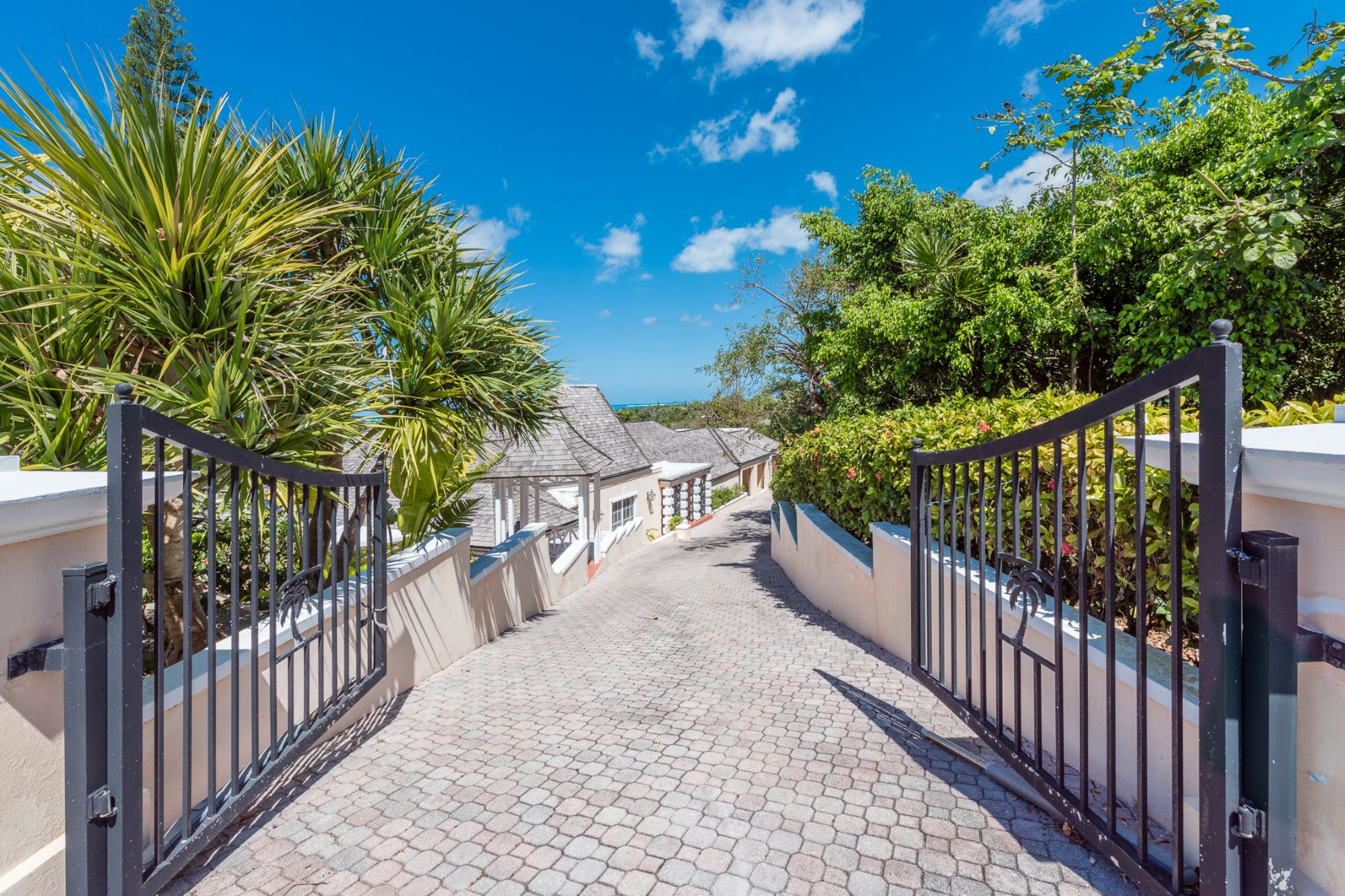 Additional photo for property listing at Coral Lane in Lyford Cay Lyford Cay, Nueva Providencia / Nassau Bahamas