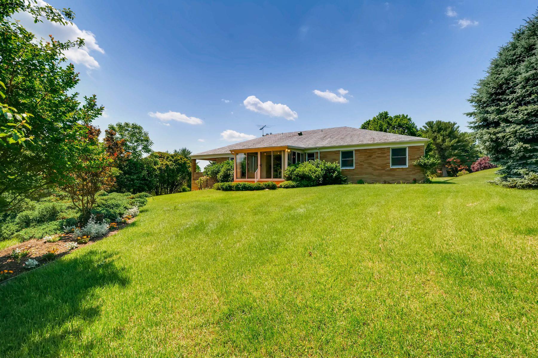 단독 가정 주택 용 매매 에 306 Lohview Terrace 306 Lochview Terrace Lutherville Timonium, 메릴랜드 21093 미국