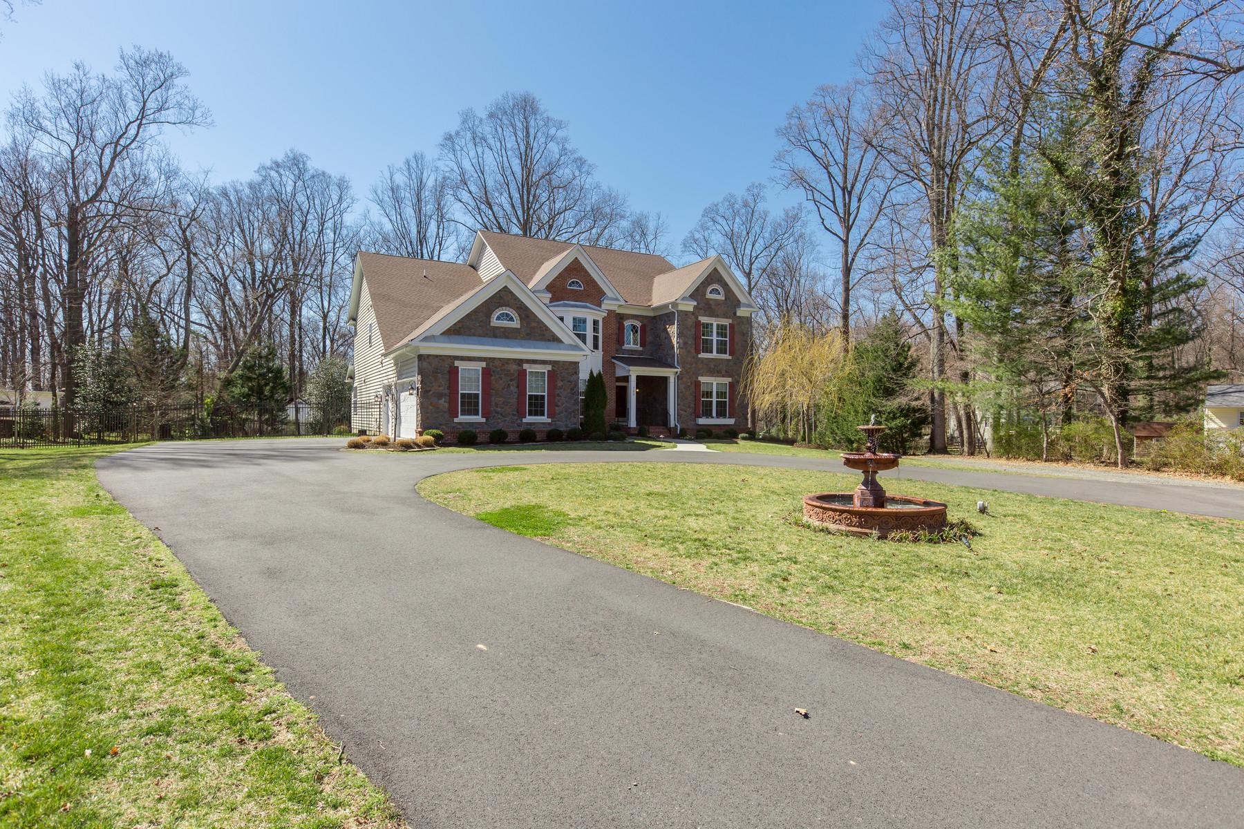 Maison unifamiliale pour l Vente à 700 Walker Road, Great Falls 700 Walker Rd Great Falls, Virginia, 22066 États-Unis