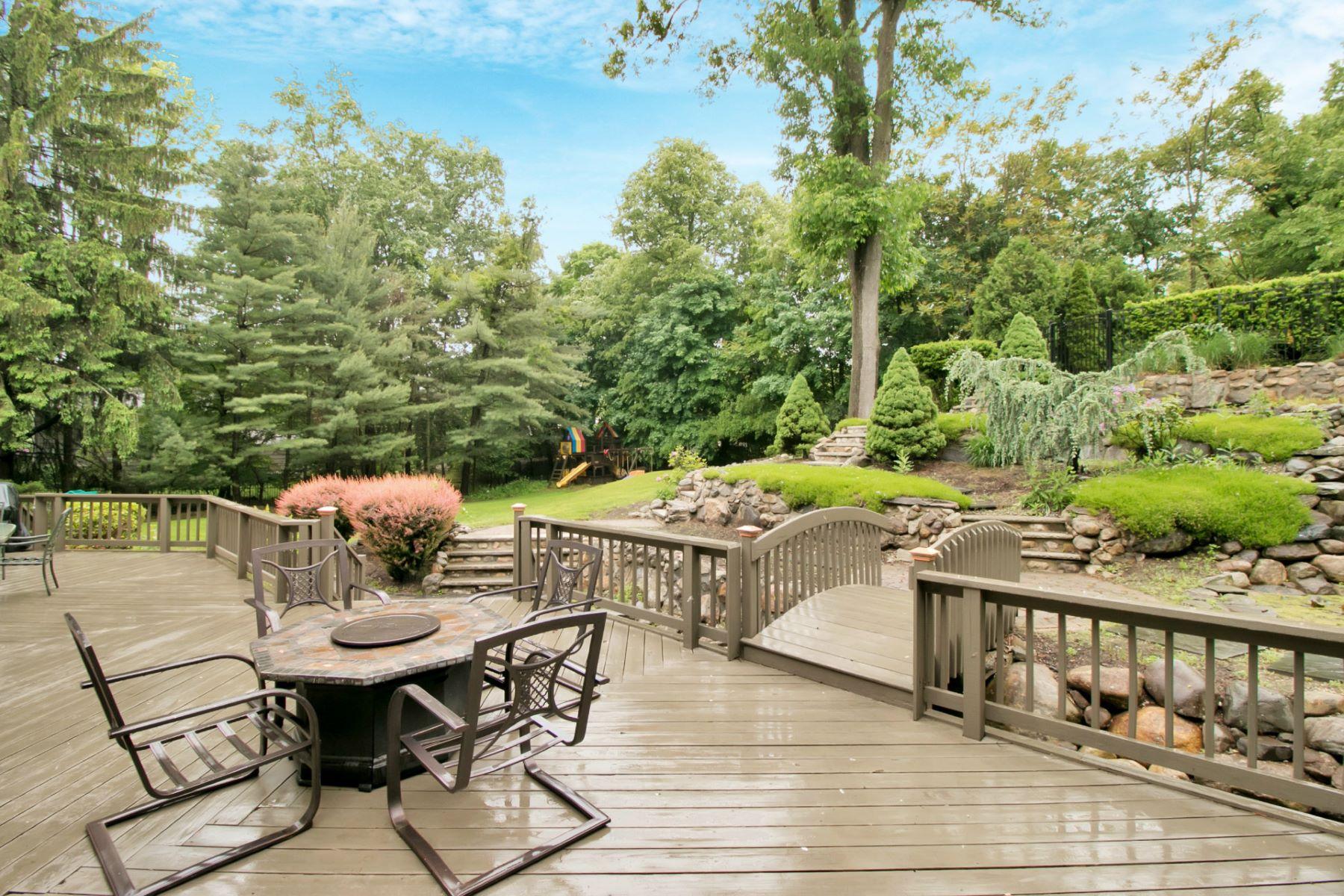 独户住宅 为 销售 在 Serene and Relaxing 753 Ramapo Valley Rd 奥克兰, 新泽西州 07436 美国