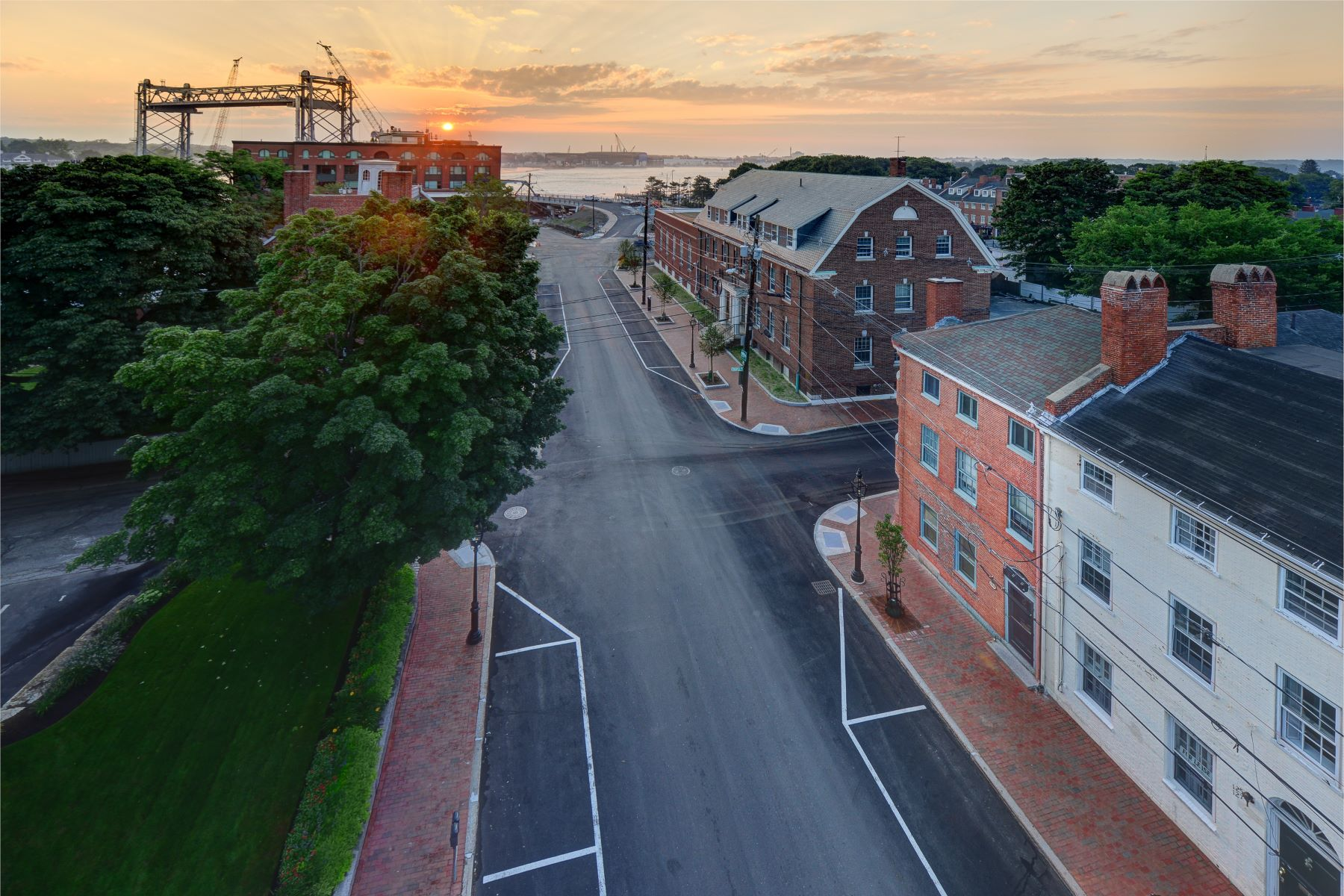 Additional photo for property listing at Free-Standing Federal Home in the Heart of Downtown Portsmouth 129 Daniel Street Portsmouth, New Hampshire 03801 United States