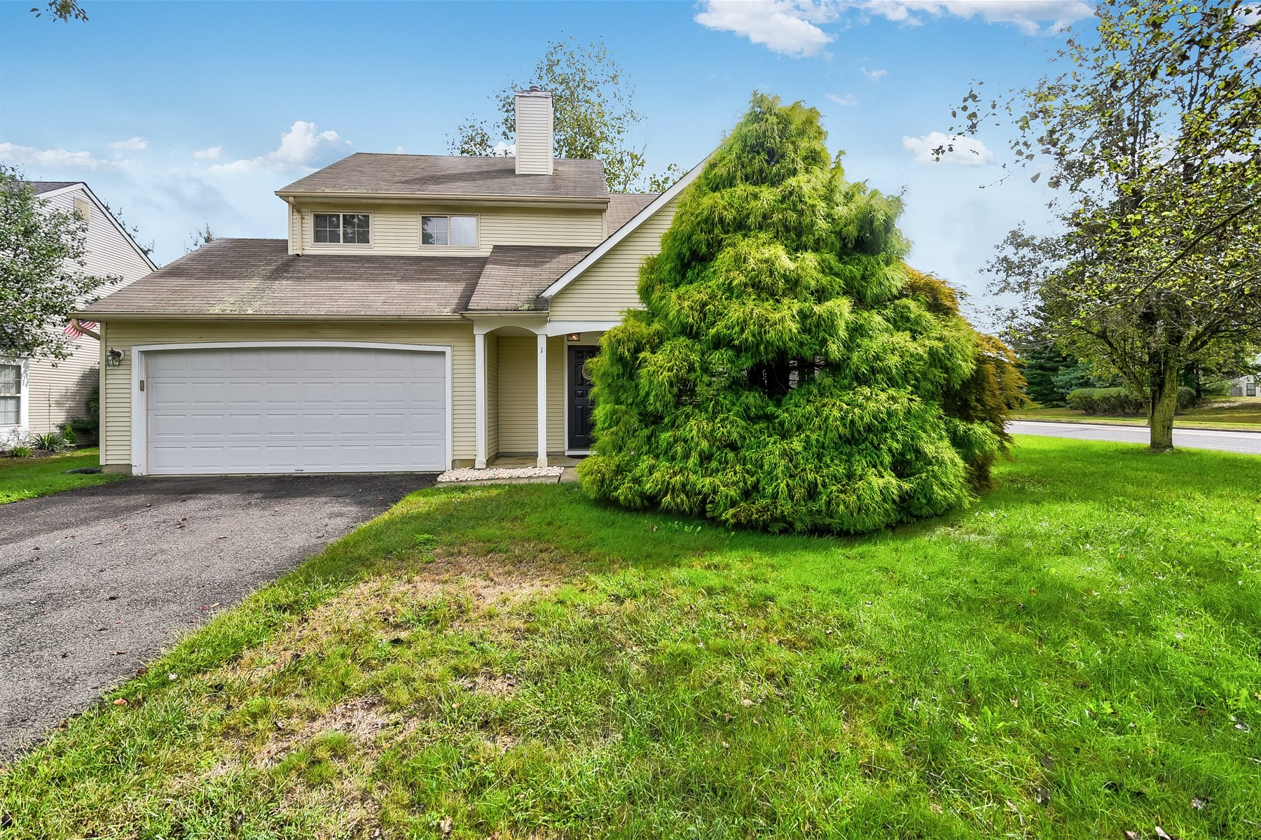 Single Family Home for Sale at 1 Longbrook Lane Freehold, New Jersey 07728 United States