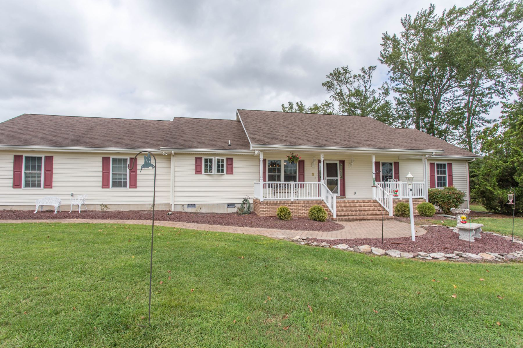 Single Family Homes for Sale at 17 Delaware Avenue Frankford, Delaware 19945 United States
