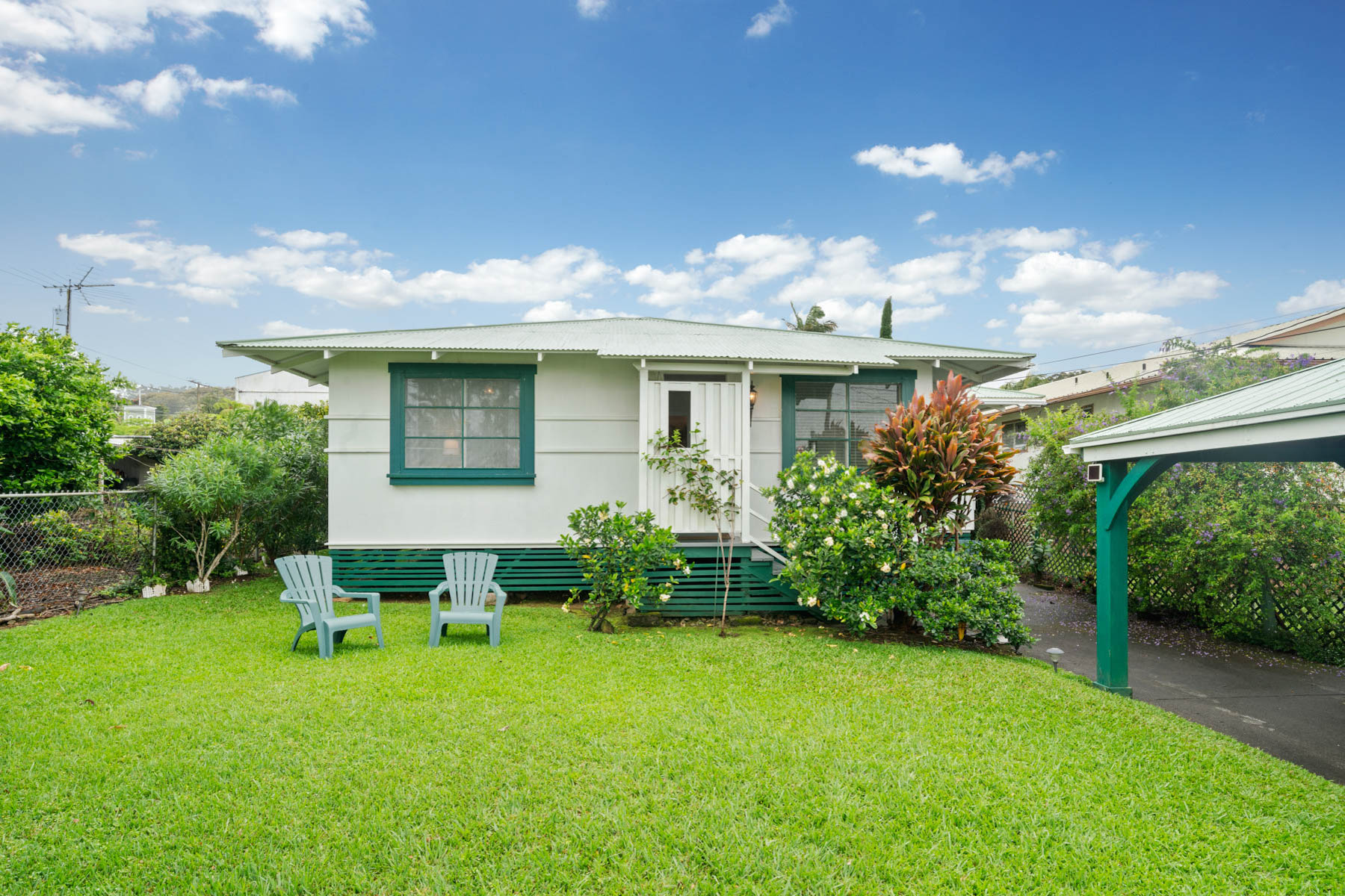 Single Family Homes for Active at Charming Home 45-3483 Koa St. Honokaa, Hawaii 96727 United States