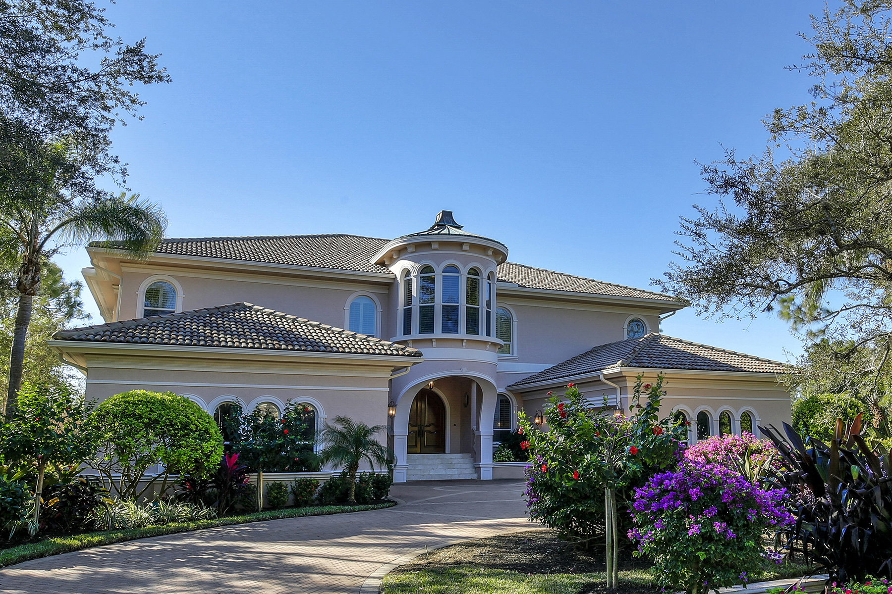 Single Family Homes pour l Vente à BONITA BAY - RIVERWALK 27780 Riverwalk Way Bonita Springs, Floride 34134 États-Unis