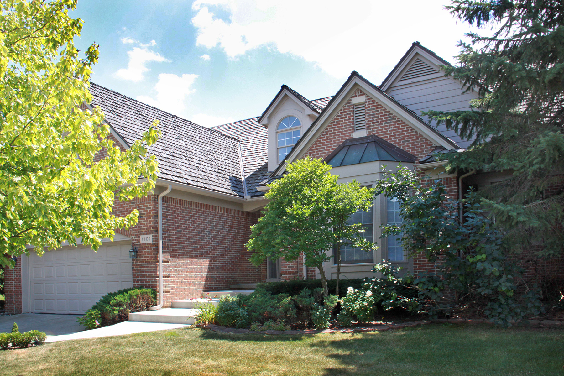 Single Family Home for Sale at Bloomfield 1101 Park Place Court Bloomfield Hills, Michigan, 48302 United States