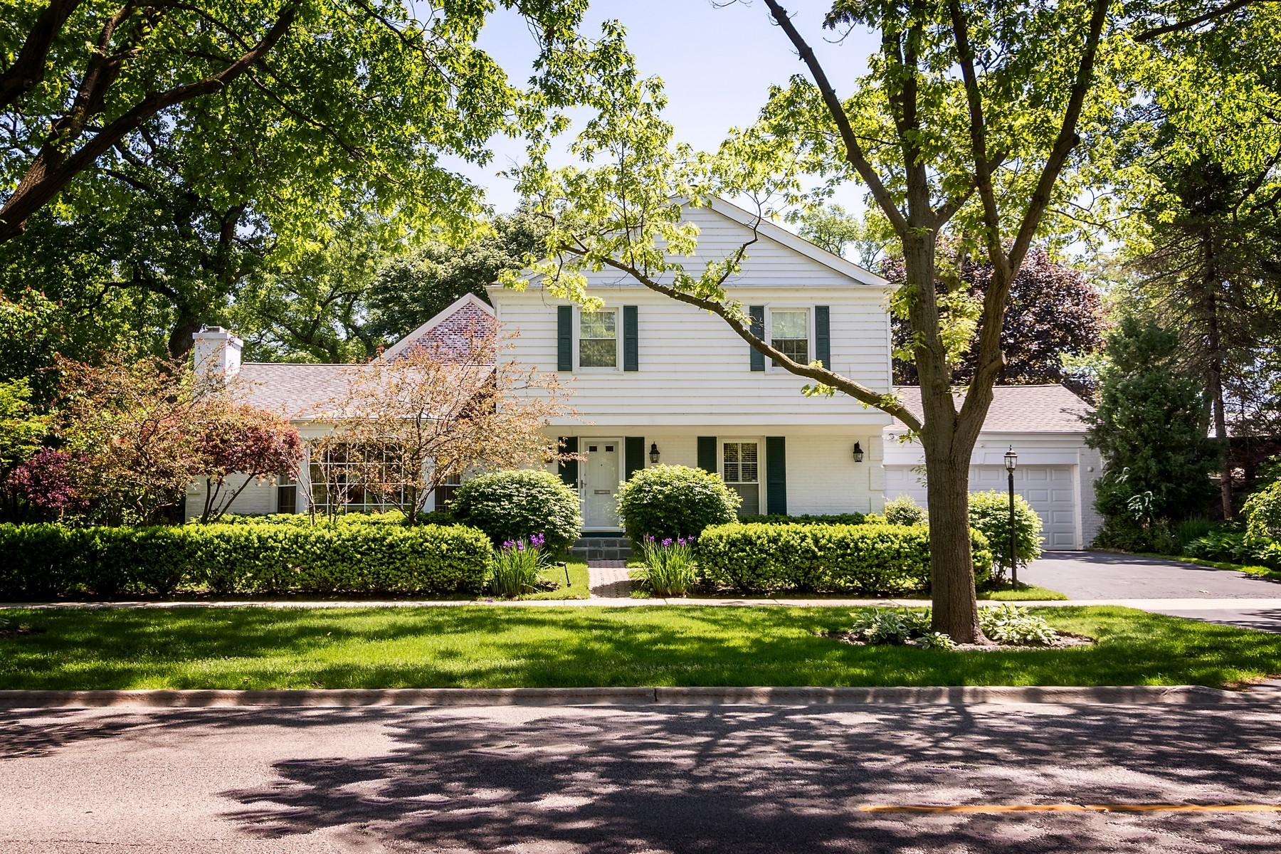 Single Family Home for Sale at Beautiful Colonial 242 Greenwood Street Evanston, Illinois 60201 United States