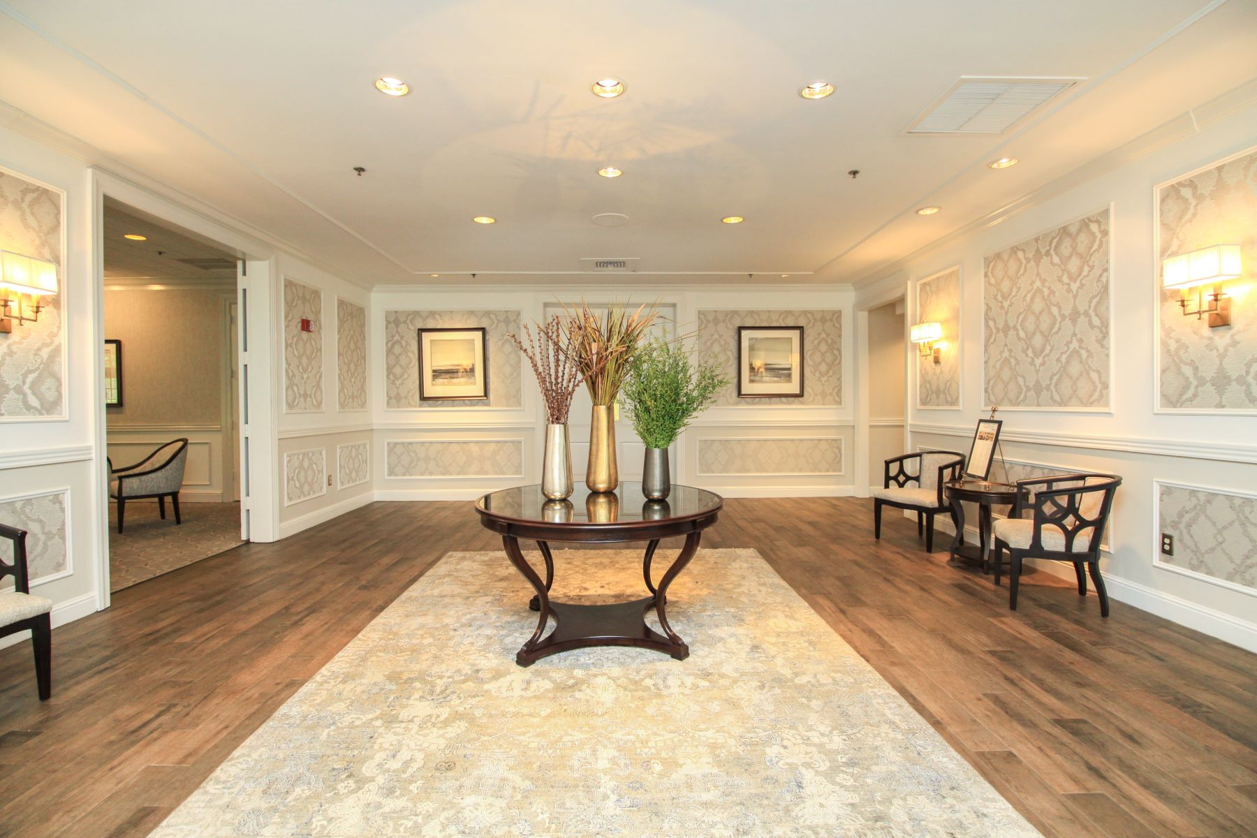 Additional photo for property listing at Ease into Luxury at Cobblestone Creek 7 Dogleg Lane, Lawrenceville, 뉴저지 08648 미국