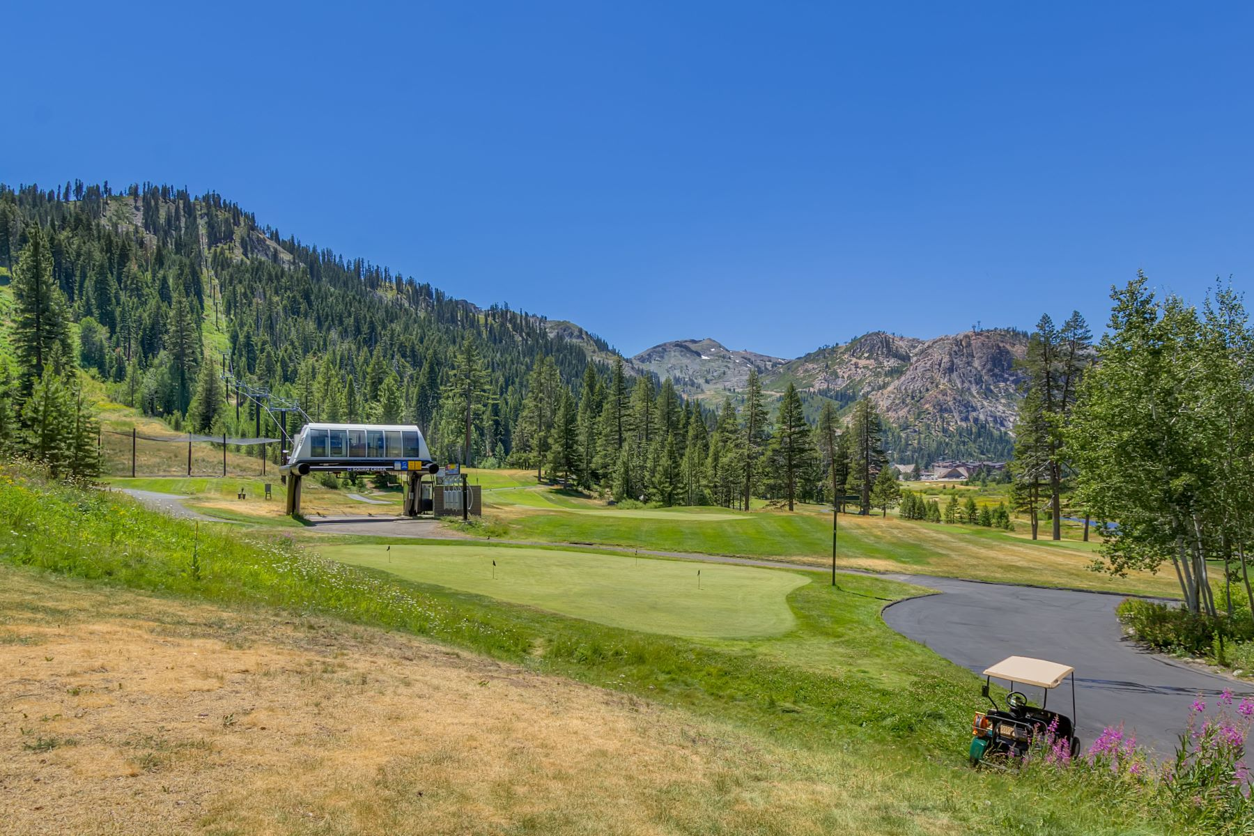 Additional photo for property listing at 400 Squaw Creek Road # 609/611, Olympic Valley Road, Ca 96146 400 Squaw Creek Road 609/611 Olympic Valley, California 96146 United States