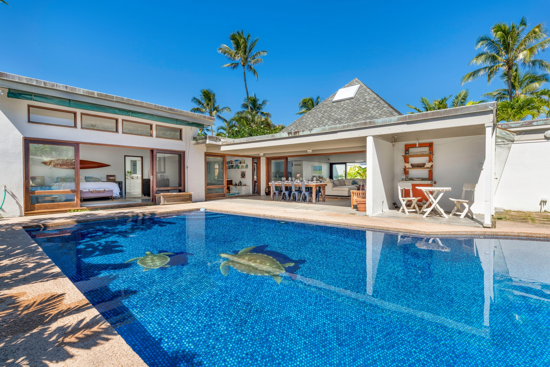 Single Family Homes 为 销售 在 Beachside Pool Home 165 Kailuana Loop 凯卢阿, 夏威夷 96734 美国