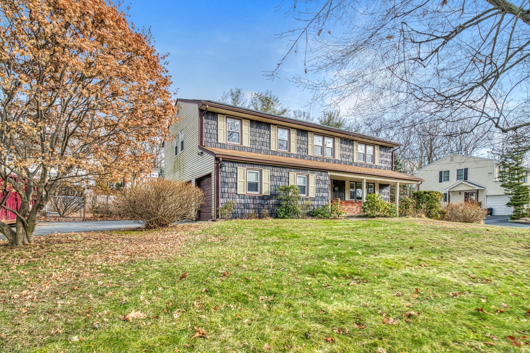 Single Family Homes for Active at Exceptional Opportunity 11 Musket Rd Tappan, New York 10983 United States