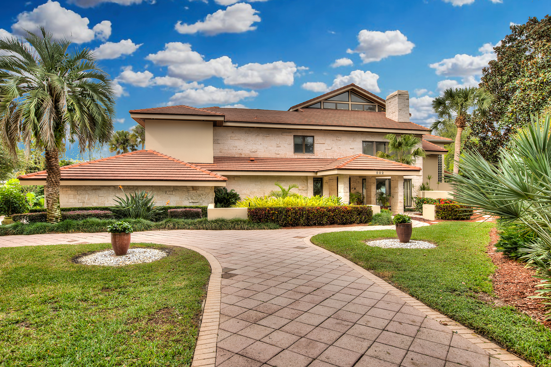 Single Family Homes for Sale at Orlando- WIndermere 502 Jennifer Ln Windermere, Florida 34786 United States