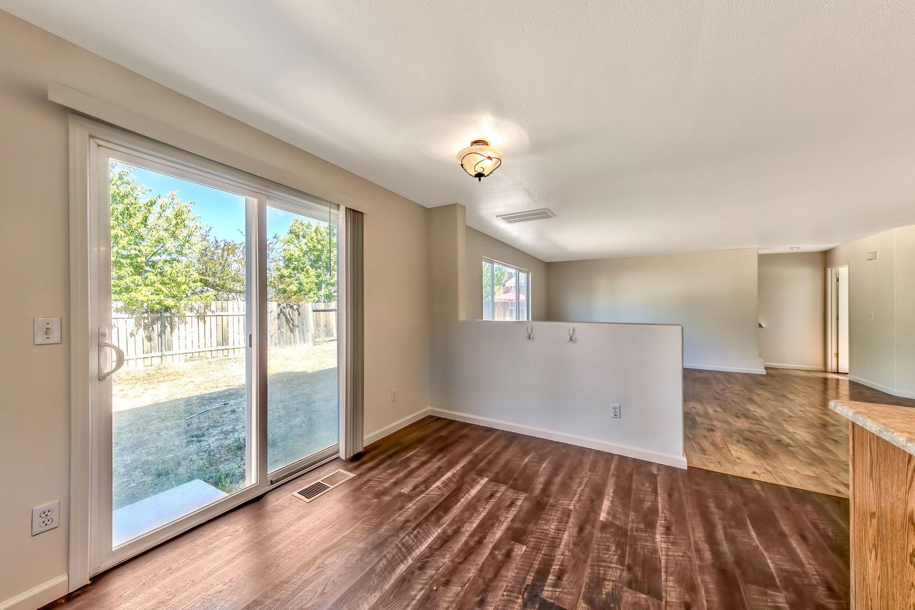 Additional photo for property listing at 7475 Hinton Drive, Reno 7475 Hinton Drive Reno, Nevada 89506 United States