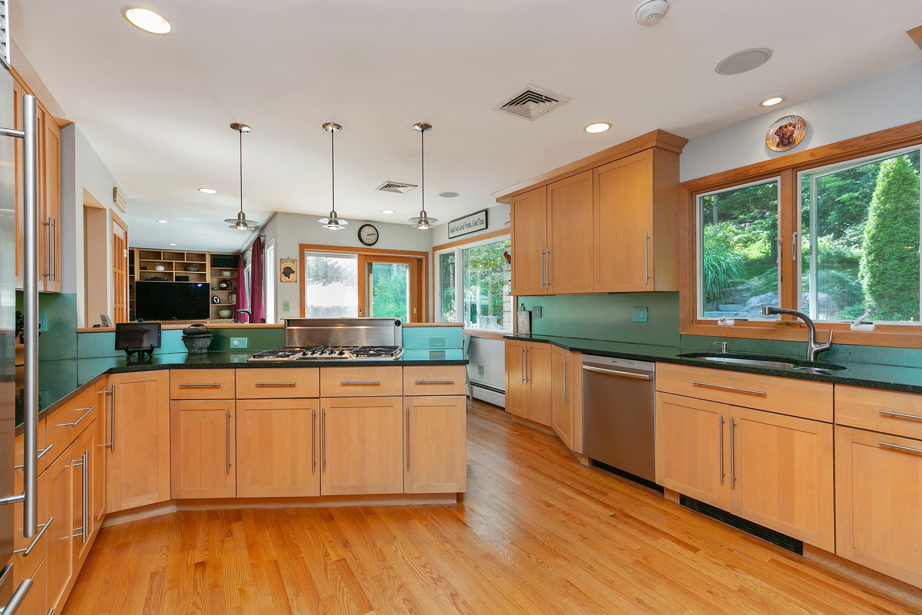 Additional photo for property listing at Serene Country Ranch 507 Croton Lake Road Bedford Corners, New York 10549 United States