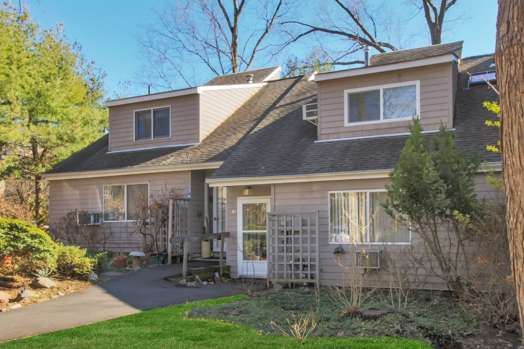 Condominium for Sale at Unique Hickory Hill 30 Hickory Hill Lane Tappan, New York, 10983 United States