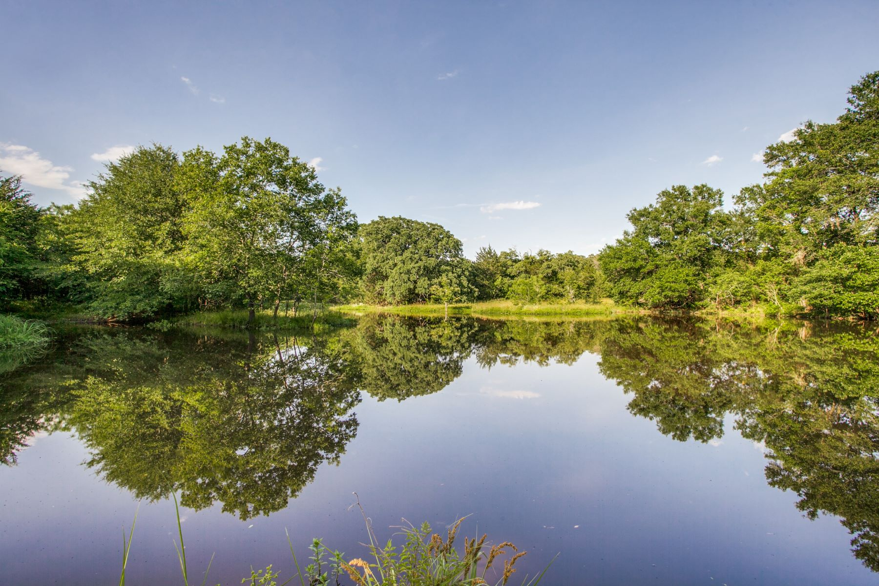 Land for Sale at Grays Creek Ranch 615 +/- Acres 01 FM 1129 Chatfield, Texas 75105 United States
