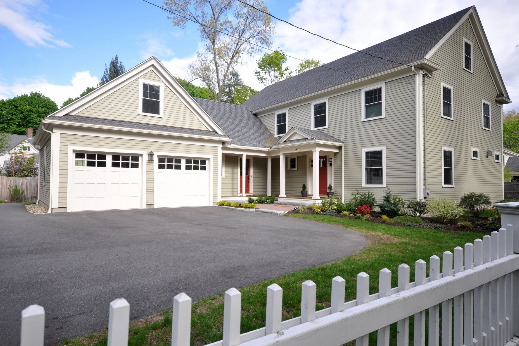 Single Family Home for Sale at Like New Colonial by Boynton/Brennan Builders 1453 Main Street Concord, Massachusetts, 01742 United States