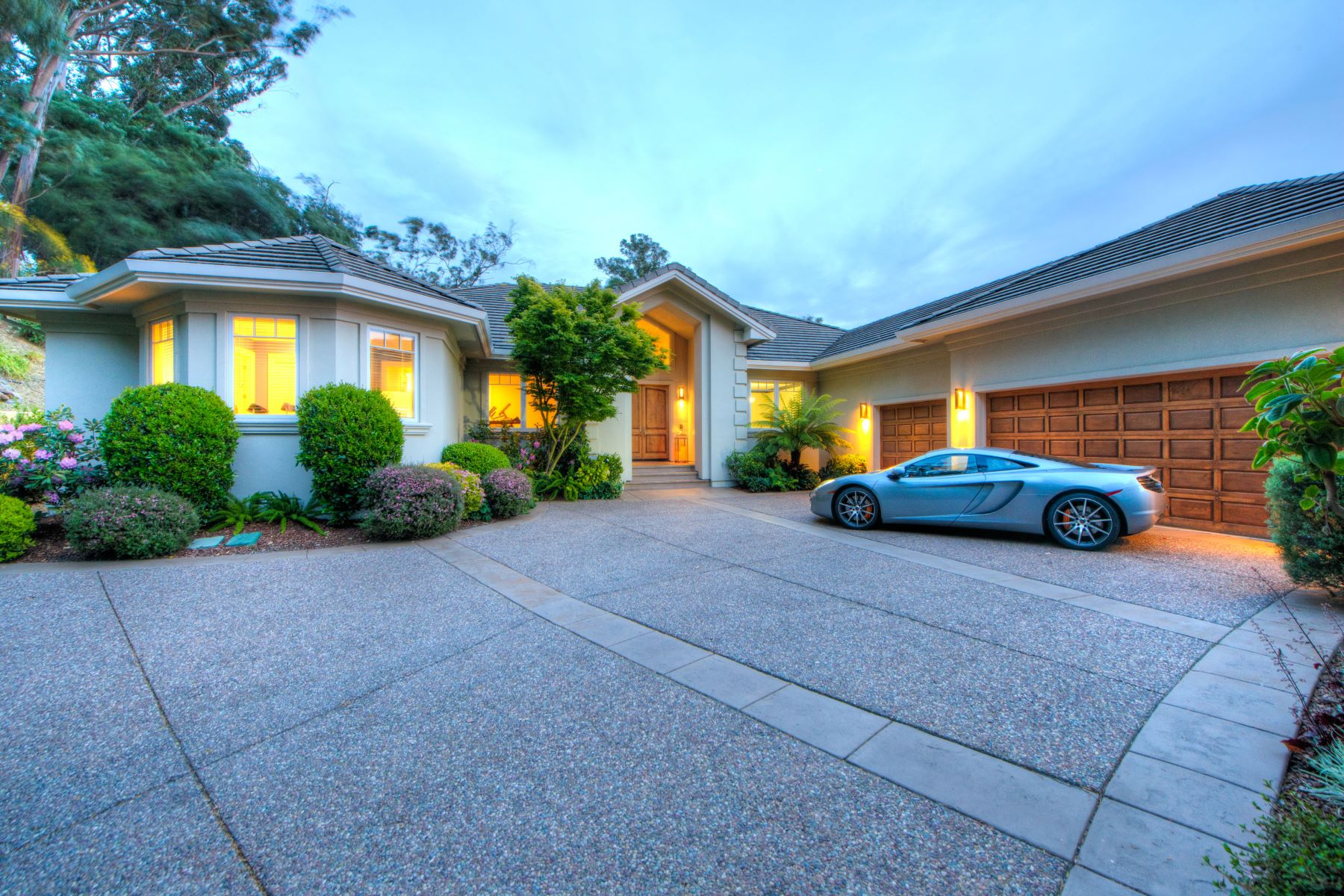 獨棟家庭住宅 為 出售 在 Single-Level Gated Estate in Country Club With Mt. Tam Views 87 Brodea Way San Rafael, 加利福尼亞州, 94901 美國