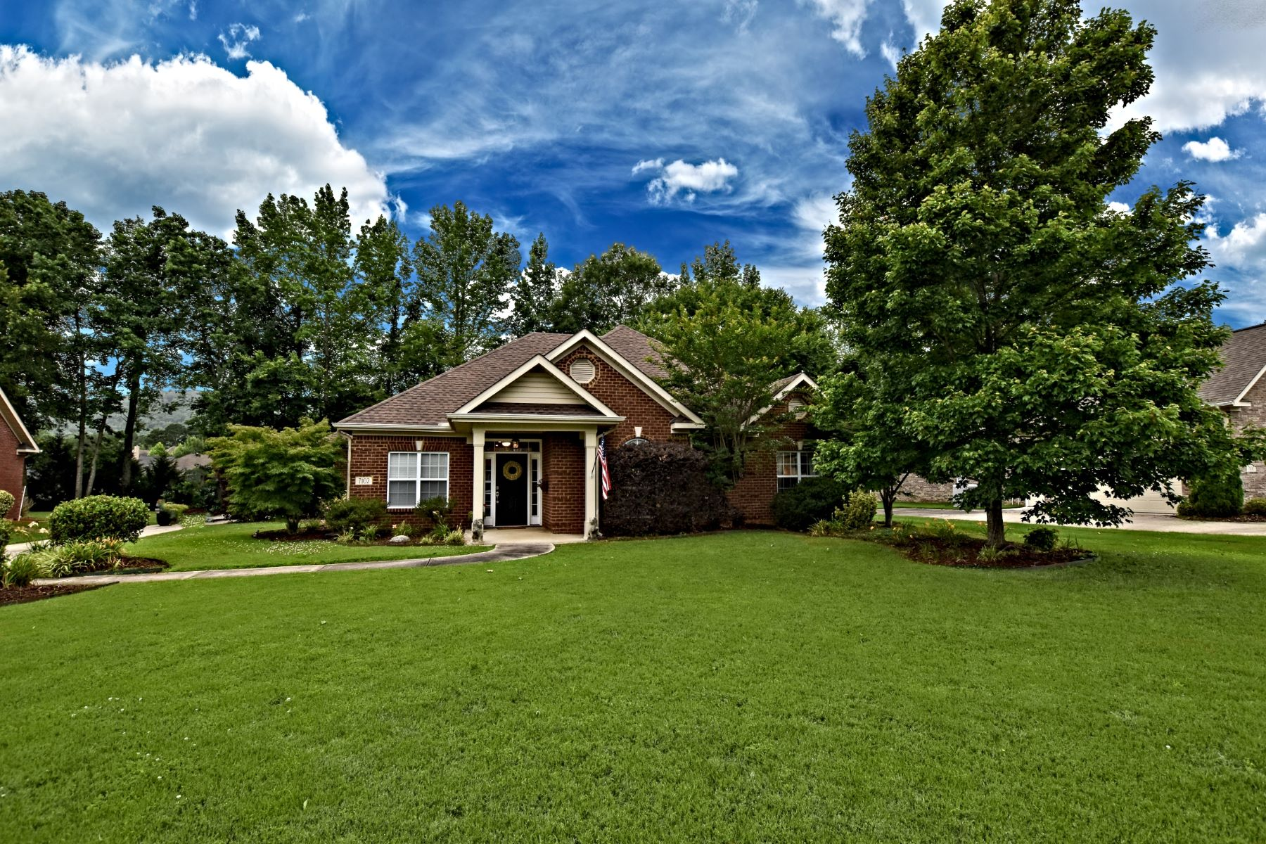 Single Family Homes 为 销售 在 7102 SE JACKS CREEK LANE 7102 JACKS CREEK LANE, Owens Cross Roads, 阿拉巴马州 35763 美国