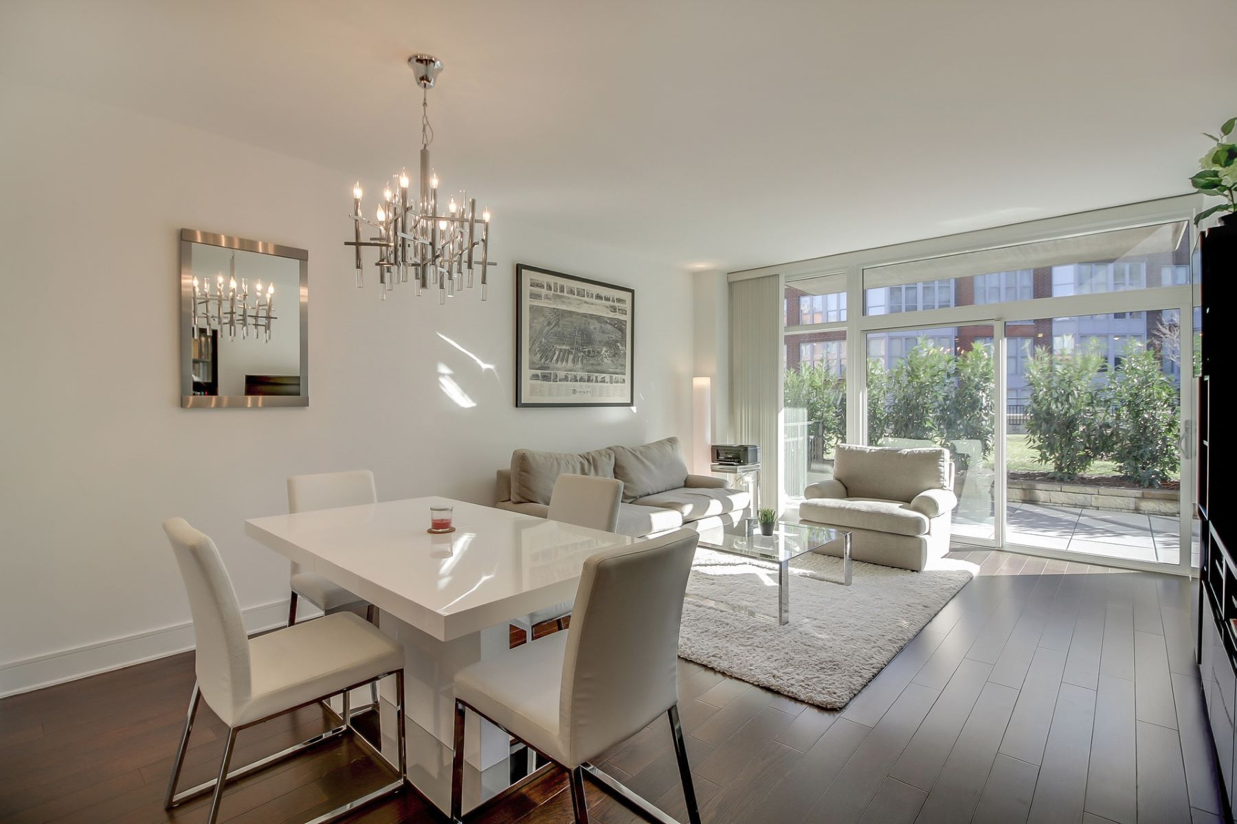 Appartement en copropriété pour l Vente à Don't miss this stunning 1 Bed / 1 Bath located in the luxurious Maxwell Place 1100 Maxwell Lane #418, Hoboken, New Jersey 07030 États-Unis