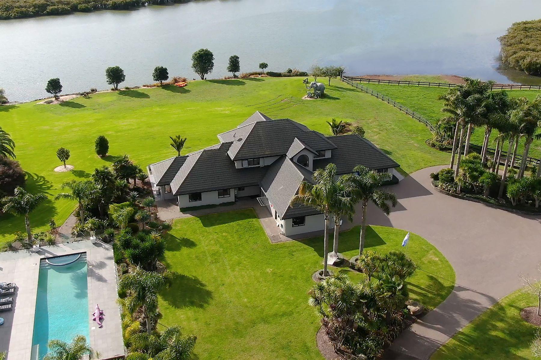 Multi-Family Homes pour l Vente à Secret Waterfront Resort 45E Arana Drive Auckland, Auckland 2578 Nouvelle-Zélande