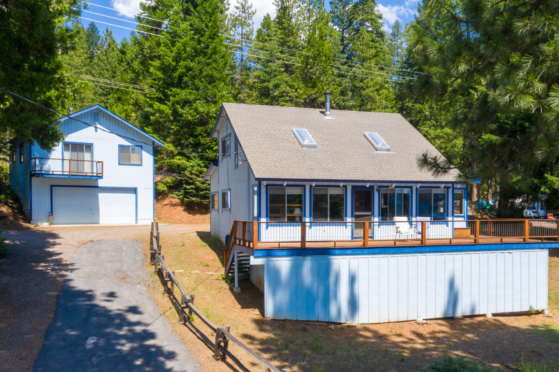 Single Family Homes por un Venta en Panoramic lakeview home 4030 Highway 147 Lake Almanor, California 96137 Estados Unidos