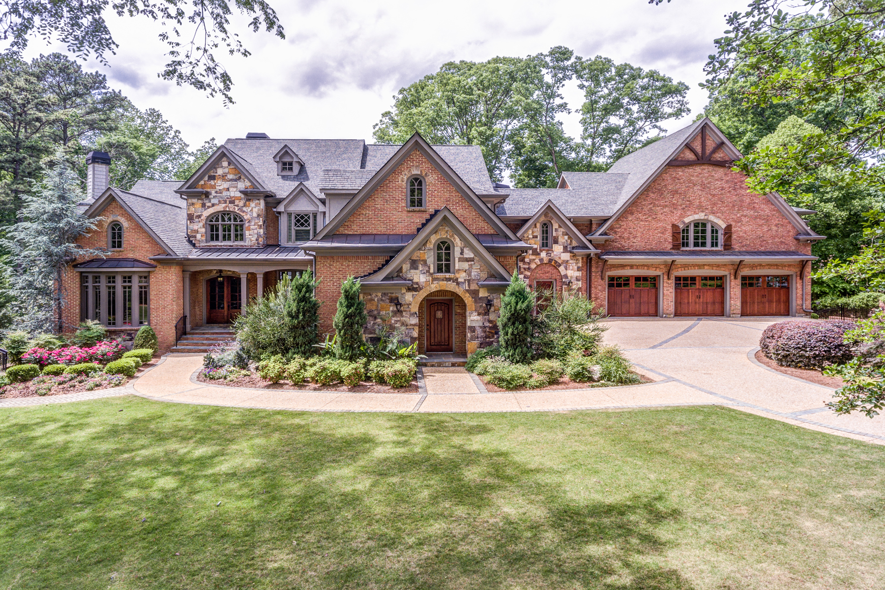Single Family Home for Sale at Exclusive Buckhead Retreat 280 Old Ivy Road Atlanta, Georgia 30342 United States