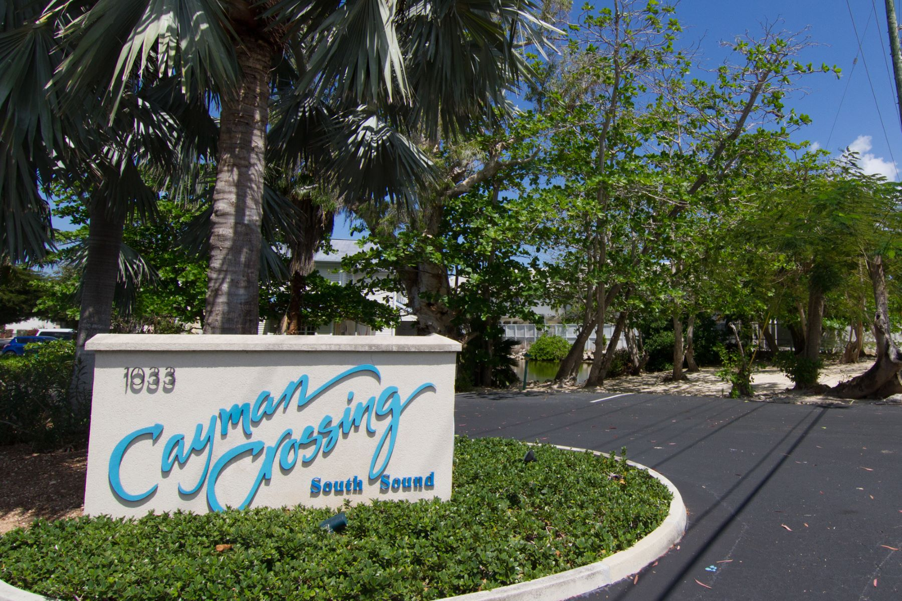 Additional photo for property listing at Cayman Crossing #36 South Sound,  Cayman Islands