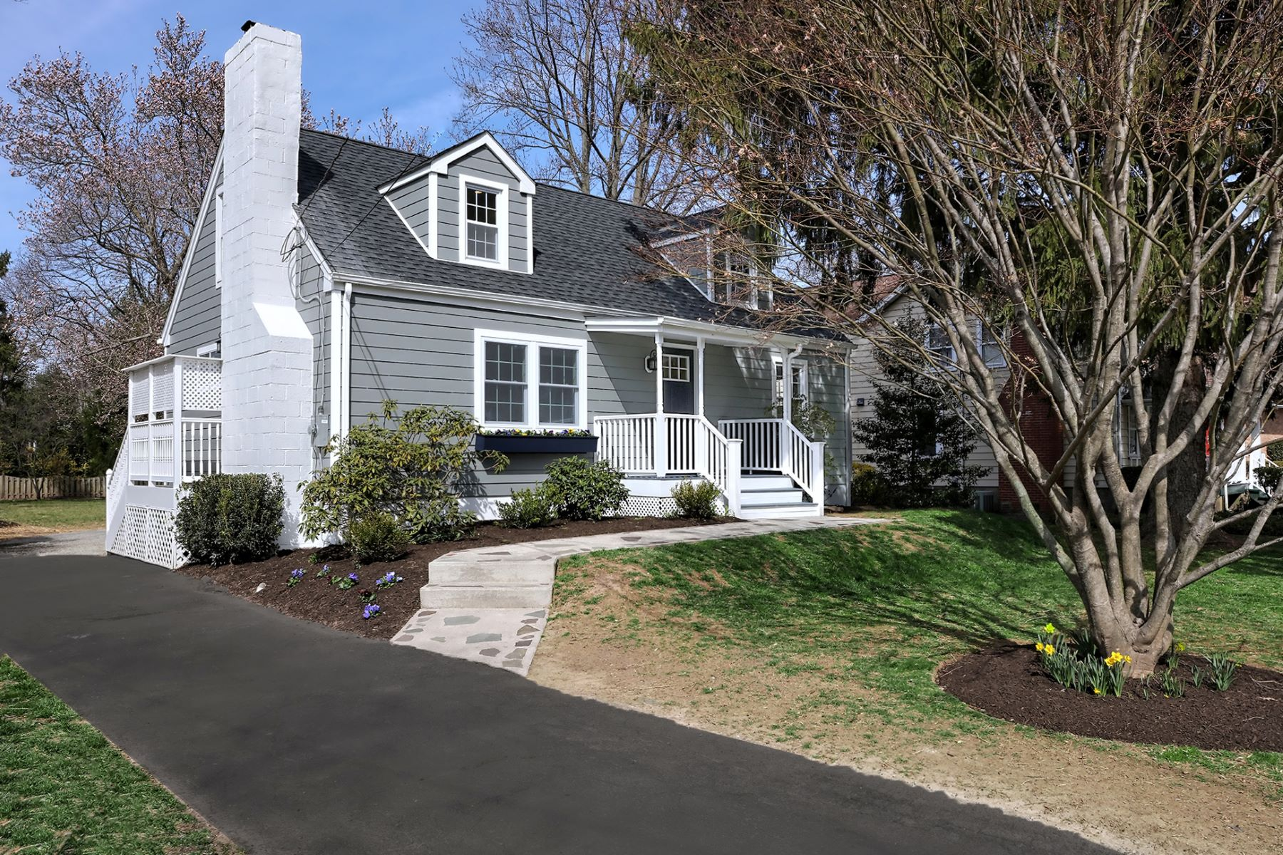 Single Family Home for Sale at In the Heart of Pennington - Meticulously Renovated 316 South Main Street, Pennington, New Jersey 08534 United States