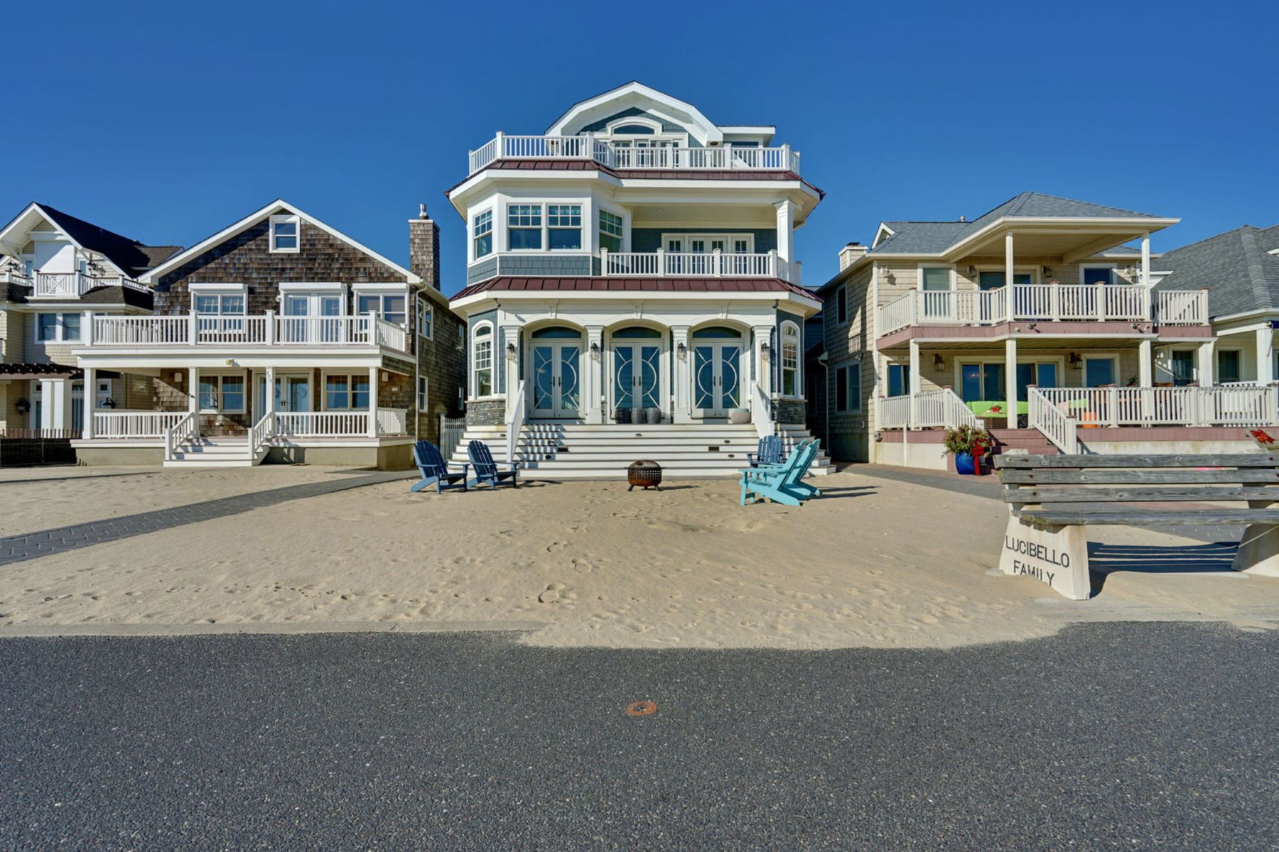 Single Family Homes vì Bán tại Outstanding Beachfront Compound 273 Beachfront, Manasquan, New Jersey 08736 Hoa Kỳ