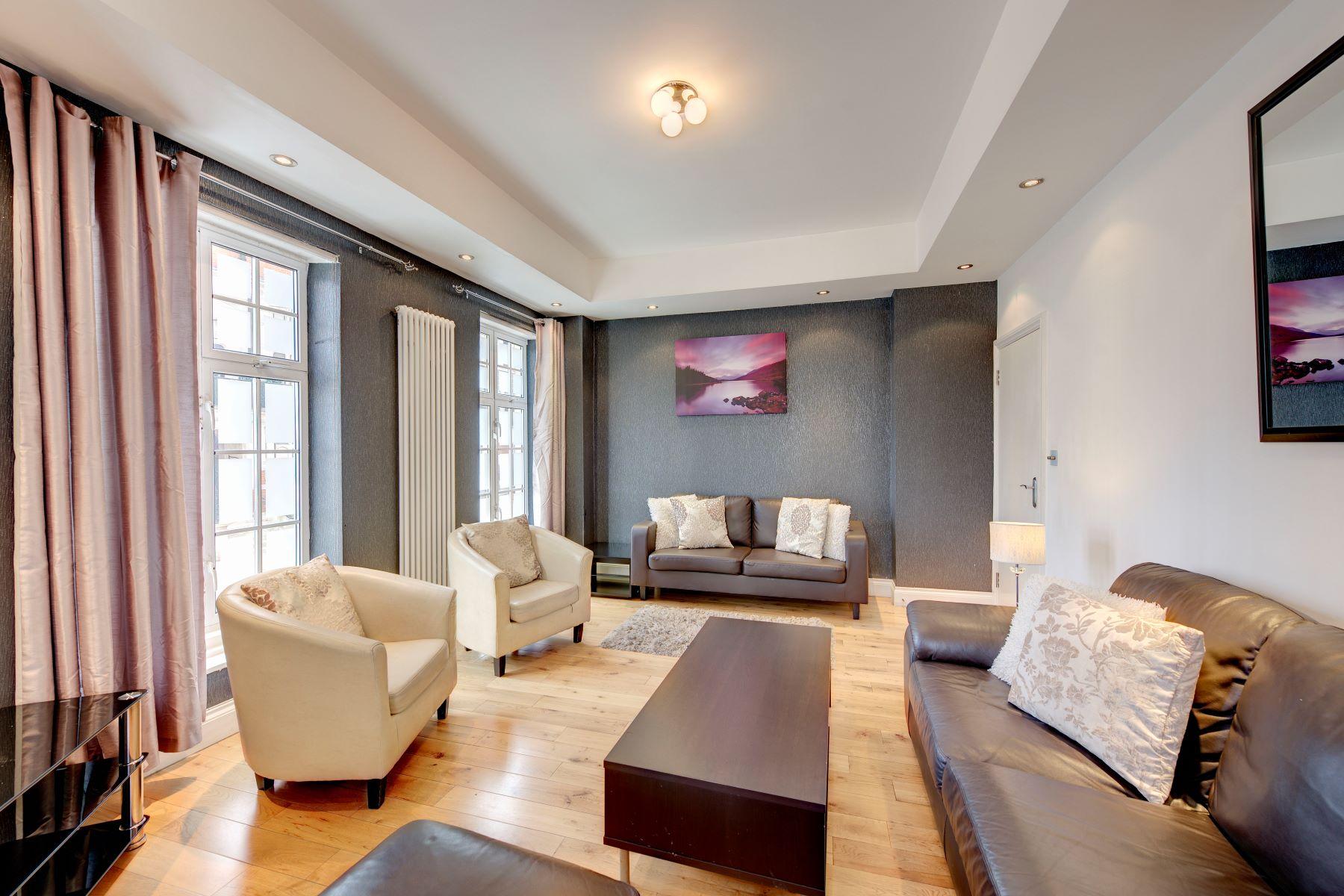 Apartamento por un Alquiler en Aldford House, Mayfair, W1K London, Inglaterra, Reino Unido