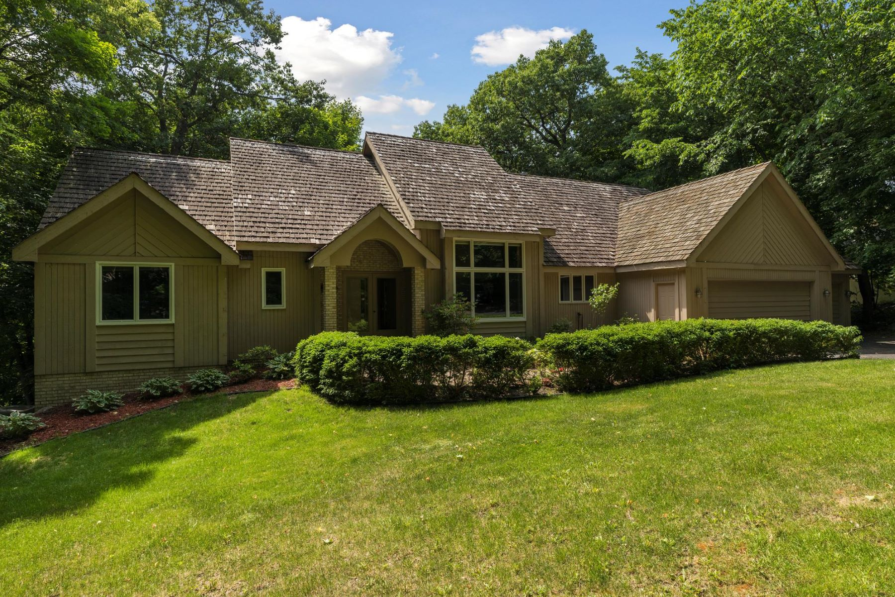 Single Family Home for Sale at 5250 Saint Albans Bay Road Shorewood, Minnesota, 55331 United States