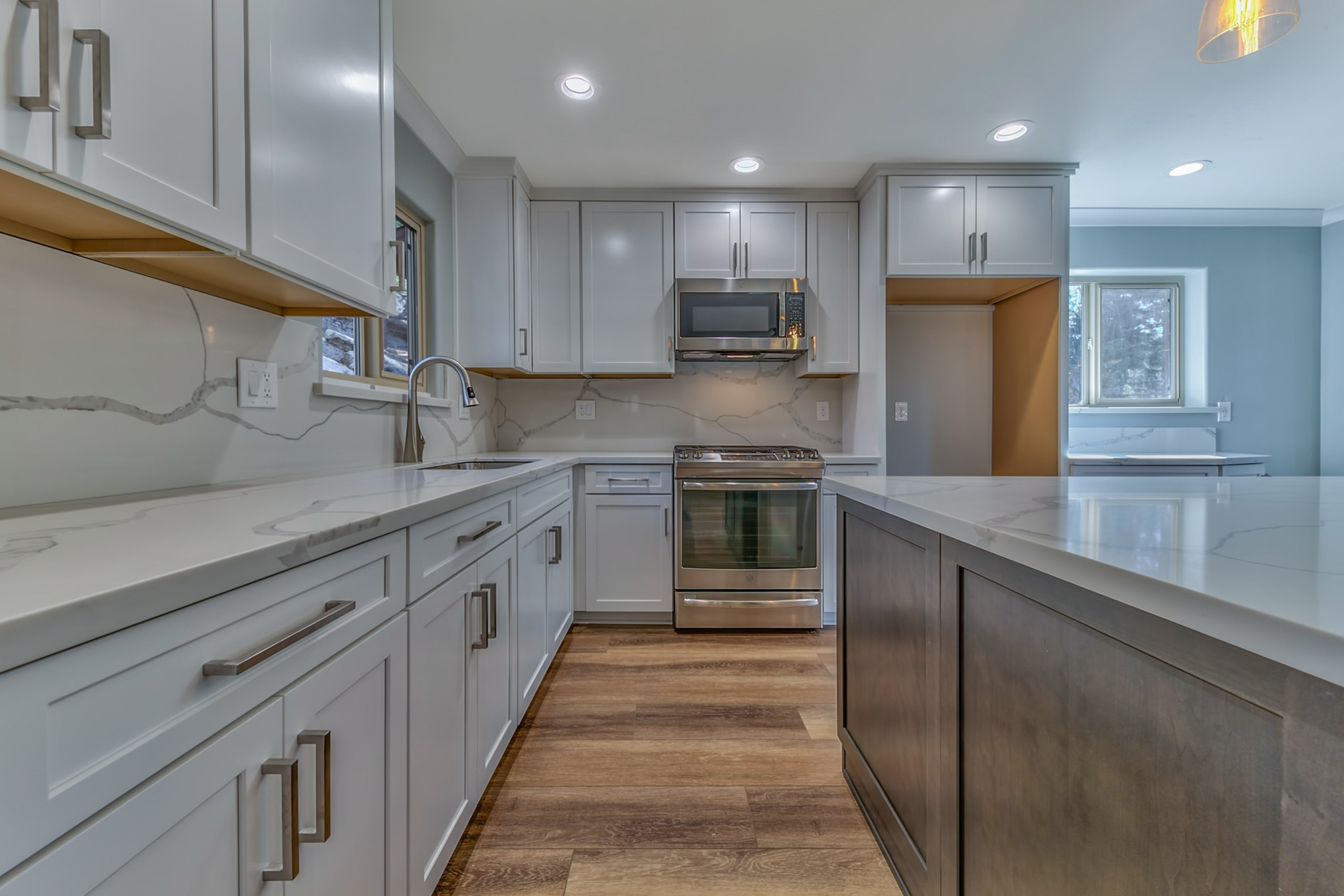 Additional photo for property listing at 2165 Pinewood Drive, South Lake Tahoe, Ca 96150 2165 Pinewood Drive South Lake Tahoe, California 96150 United States