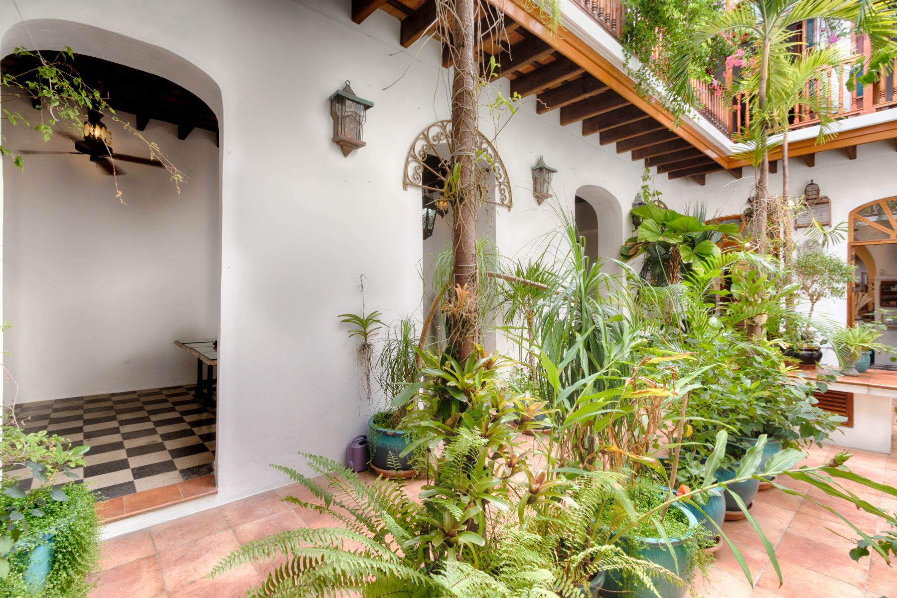 Additional photo for property listing at Impressive Colonial Gem 257 Calle Cruz Old San Juan, 00901 Puerto Rico