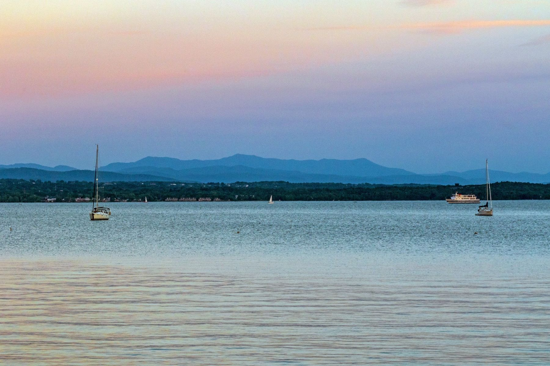 Single Family Homes for Sale at Classic Elegance on the Shore of Lake Champlain 301 Appletree Point Rd Burlington, Vermont 05408 United States