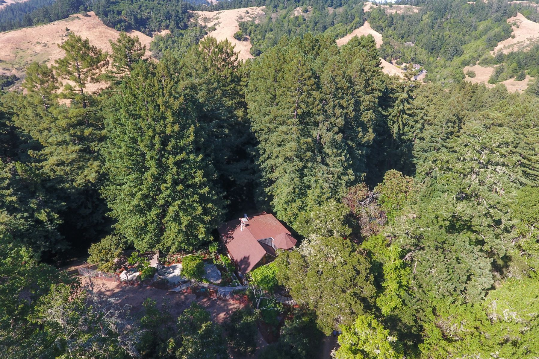 Additional photo for property listing at Enchanting Setting 1949 Nicasio Valley Road Nicasio, California 94946 Estados Unidos