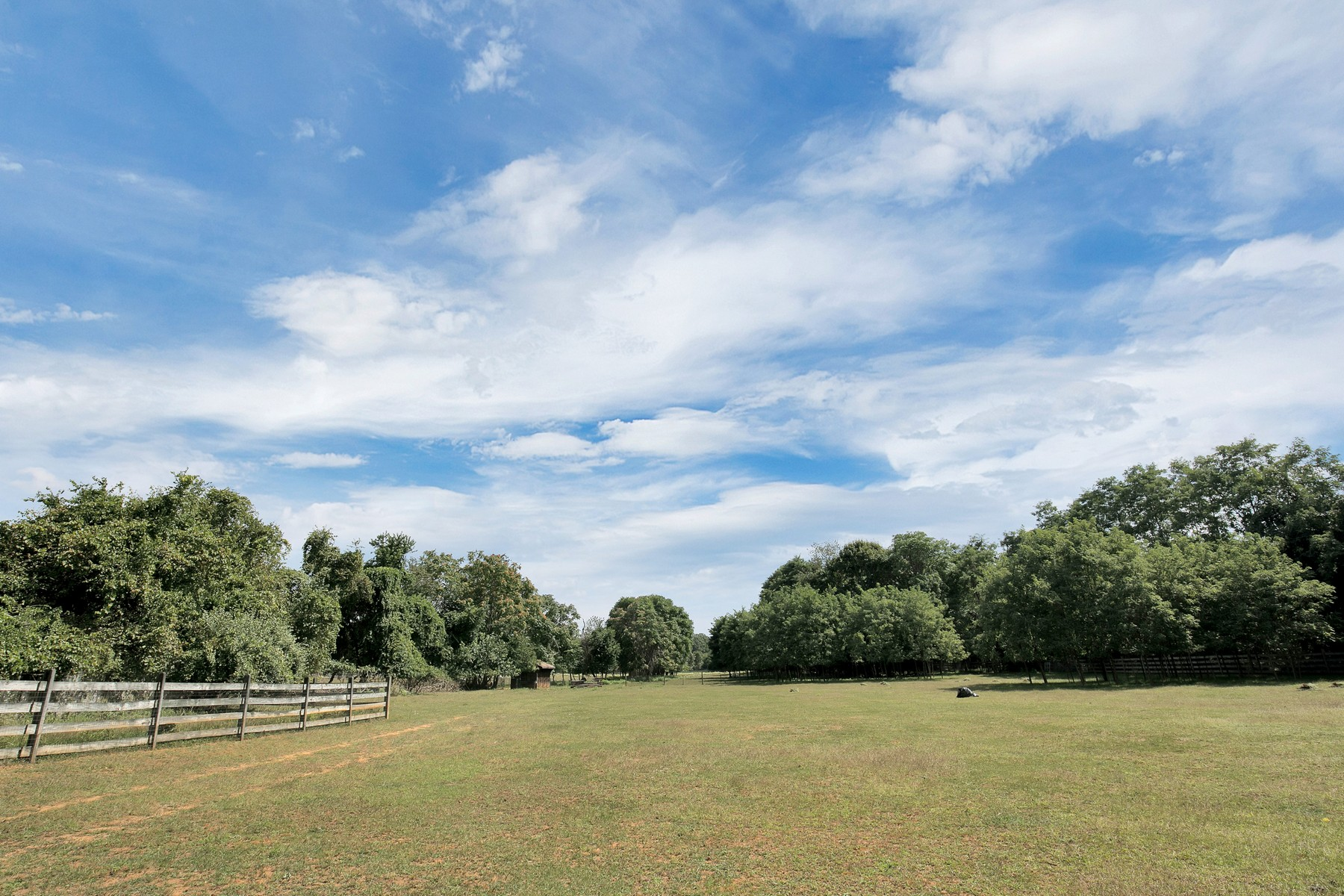 Land voor Verkoop op 40 Acre Farm 151 Dutch Lane Road, Colts Neck, New Jersey 07722 Verenigde Staten
