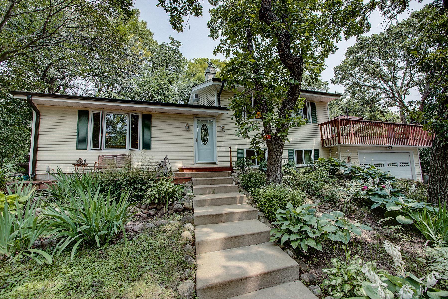 Single Family Homes für Verkauf beim Mukwonago, Wisconsin 53149 Vereinigte Staaten