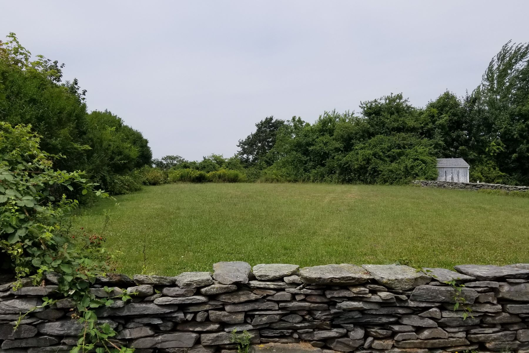 Additional photo for property listing at Middletown Land 0 Vaucluse Avenue Middletown, Rhode Island 02842 United States
