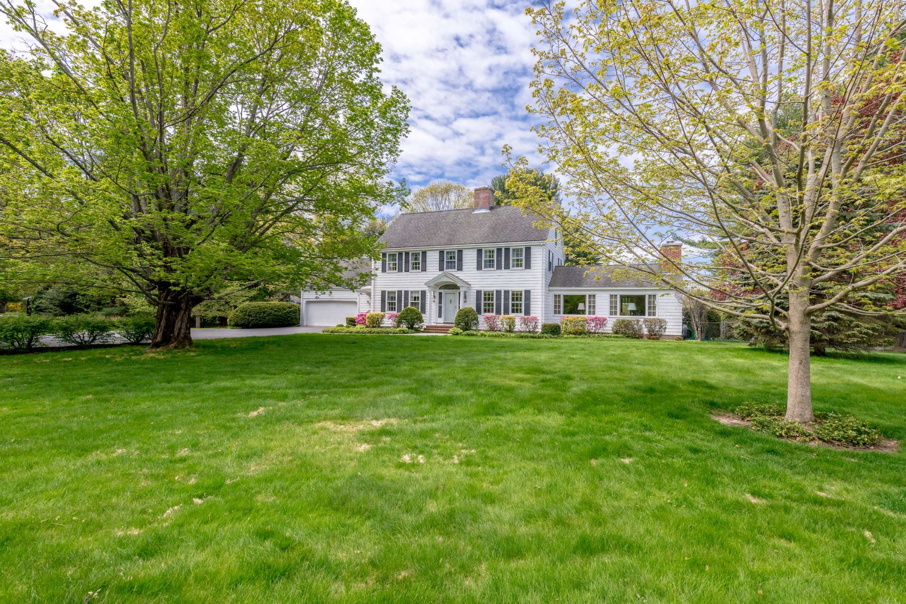 Single Family Homes للـ Sale في Saco, Maine 04072 United States