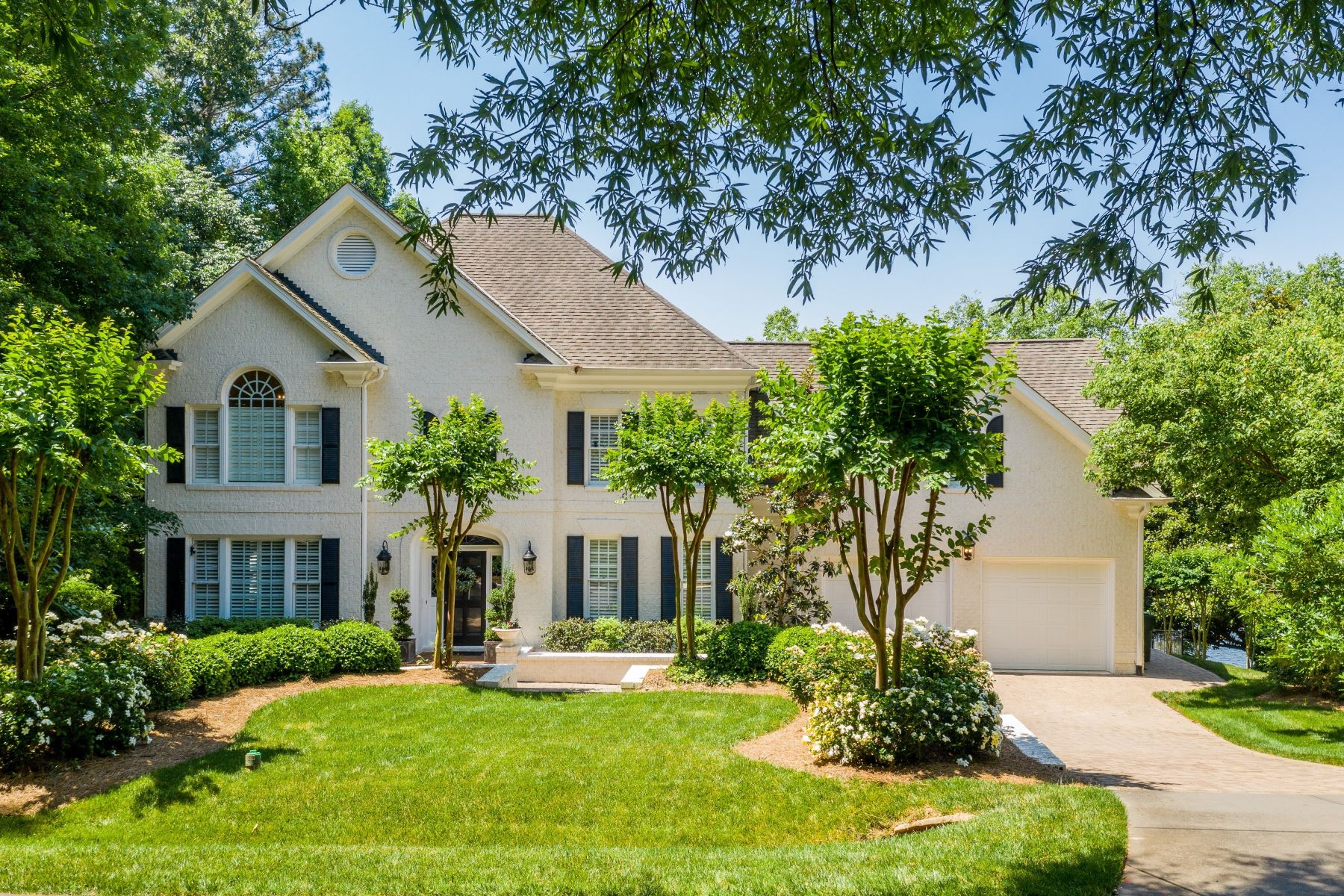 Single Family Homes for Sale at Lochmere Lake Estate 222 Lochwood West Drive Cary, North Carolina 27518 United States