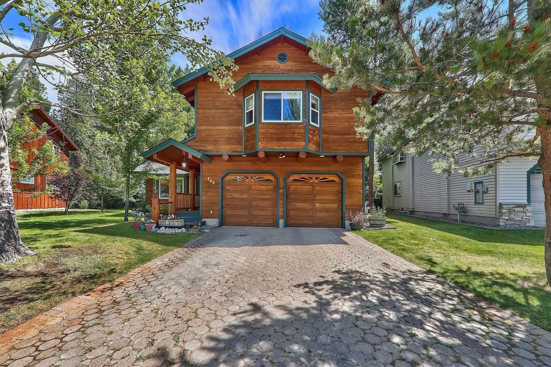 Single Family Homes for Active at 785 Tuolumne Drive, South Lake Tahoe, CA 96150 785 Tuolumne Drive South Lake Tahoe, California 96150 United States
