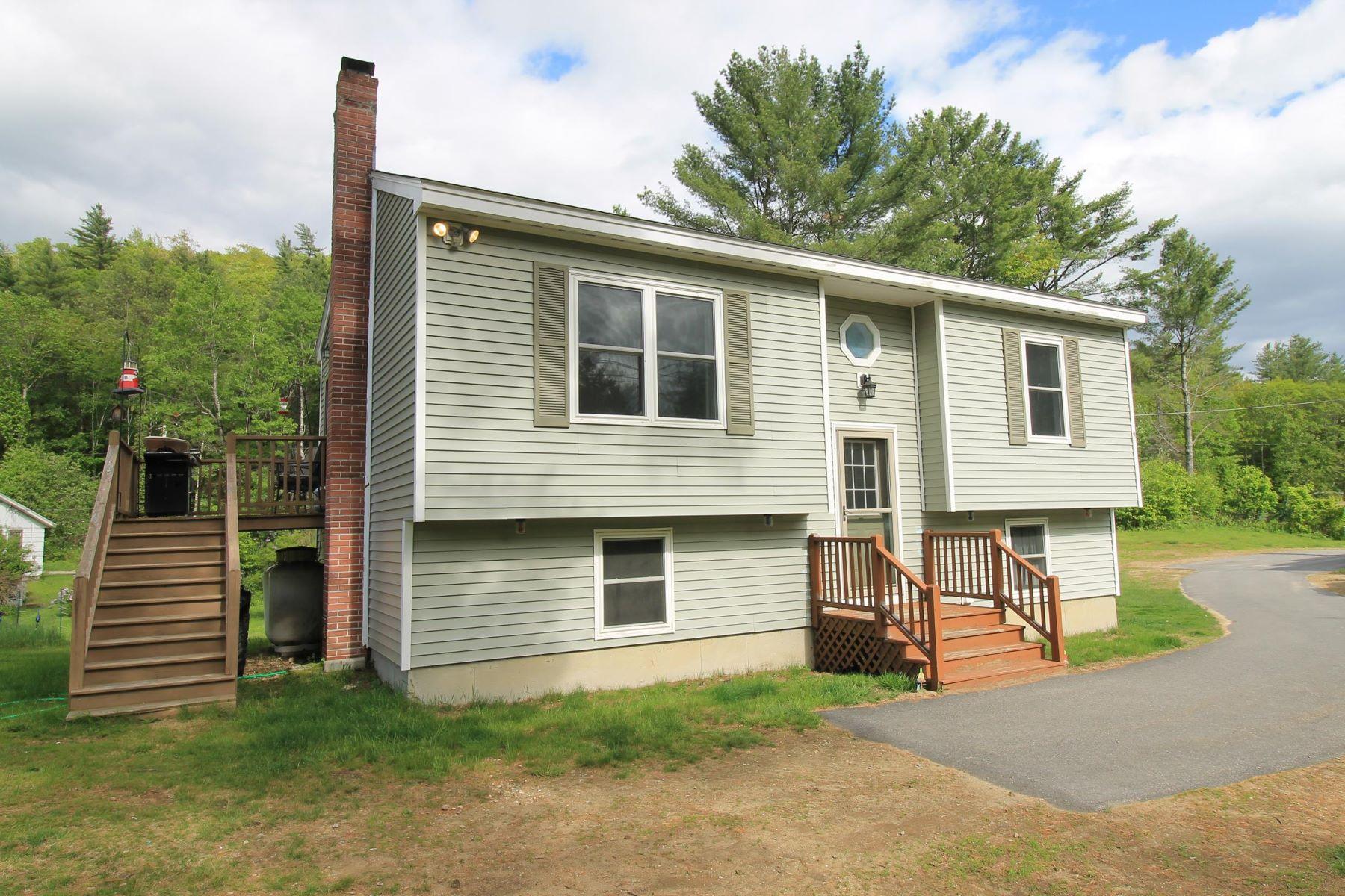 Single Family Homes por un Venta en Lovely Lempster Home 5 Dero Rd Lempster, Nueva Hampshire 03605 Estados Unidos