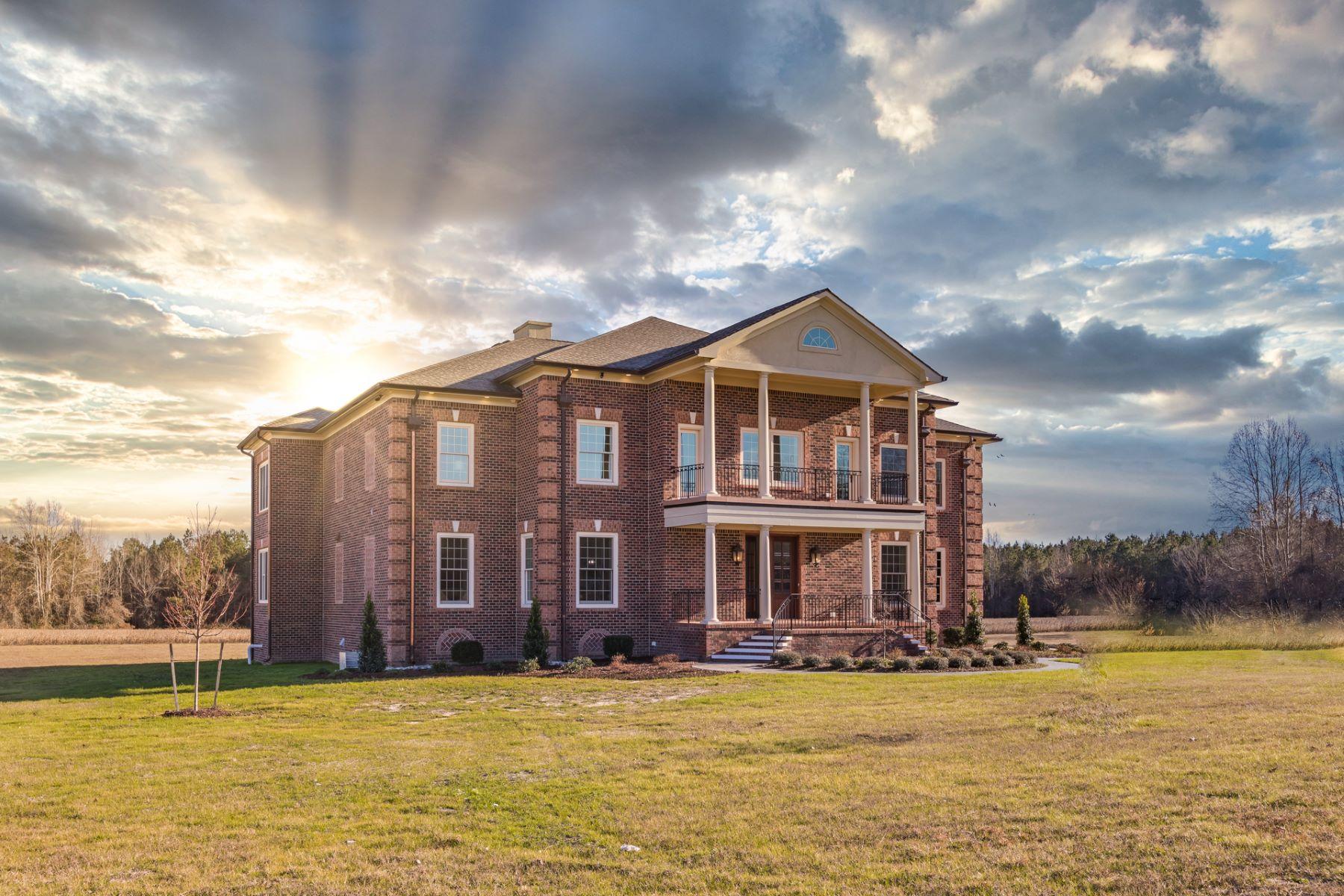 Single Family Homes 為 出售 在 South Suffolk 4250 Longstreet Lane, Suffolk, 弗吉尼亞州 23437 美國