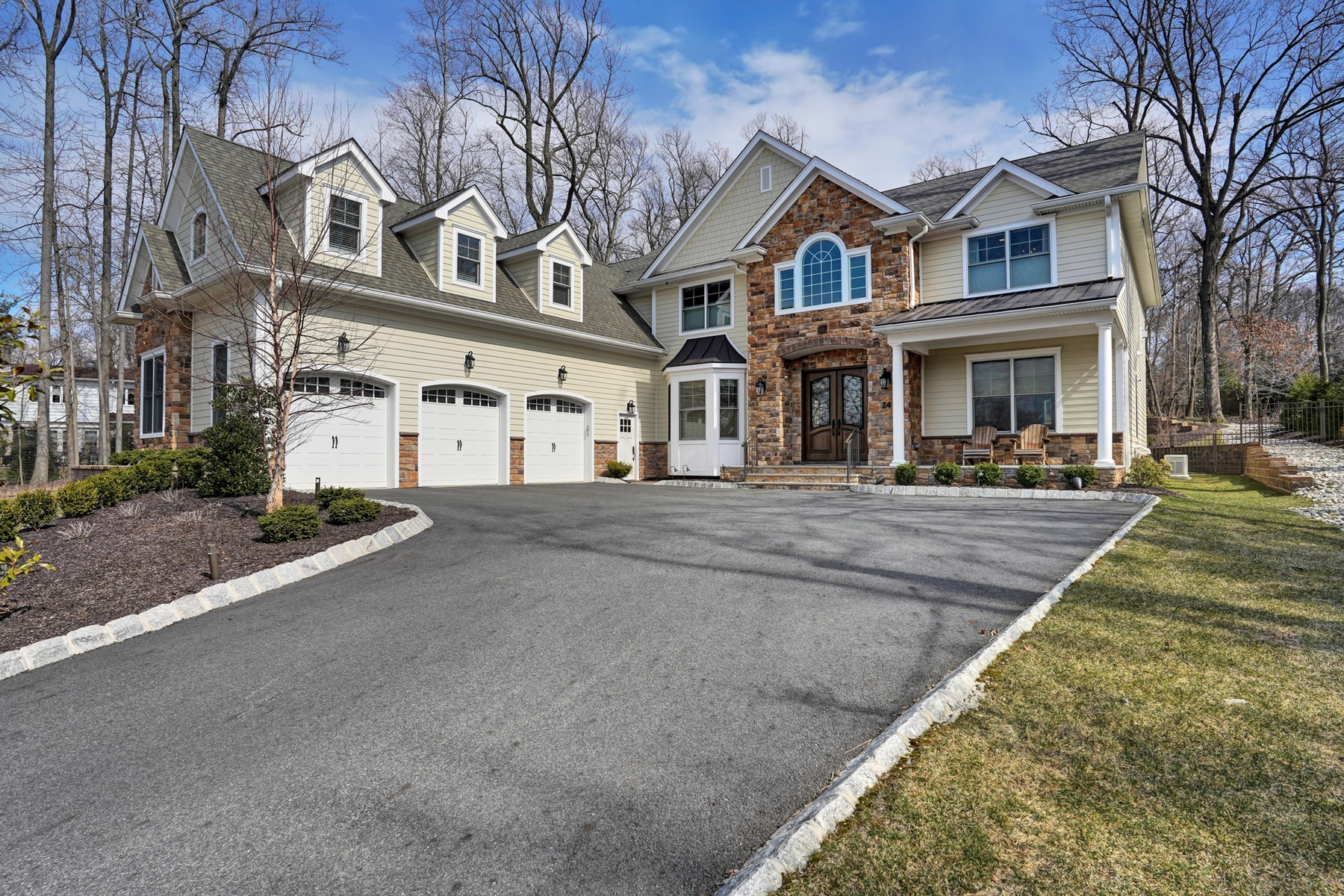 Single Family Homes for Sale at Over 5,500 SQ FT of Luxury 24 Shenandoah Dr North Caldwell, New Jersey 07006 United States