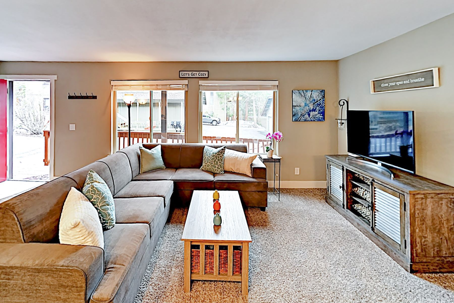 Additional photo for property listing at Tahoe Donner Condo near Amenities 12839 Northwoods Boulevard #3 Truckee, California 96161 United States