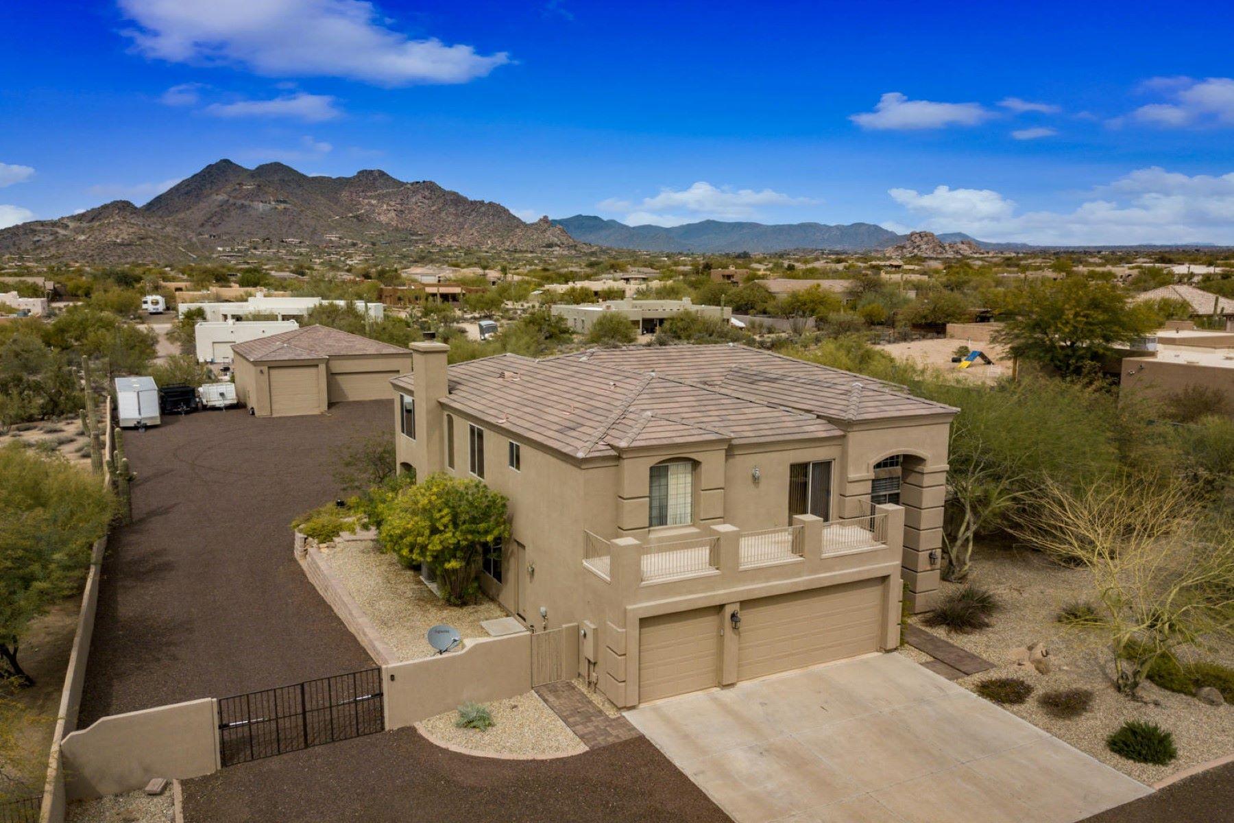 Частный односемейный дом для того Продажа на Scottsdale Home With Awesome Black Mountain Views 6318 E Dove Valley Rd, Cave Creek, Аризона, 85331 Соединенные Штаты
