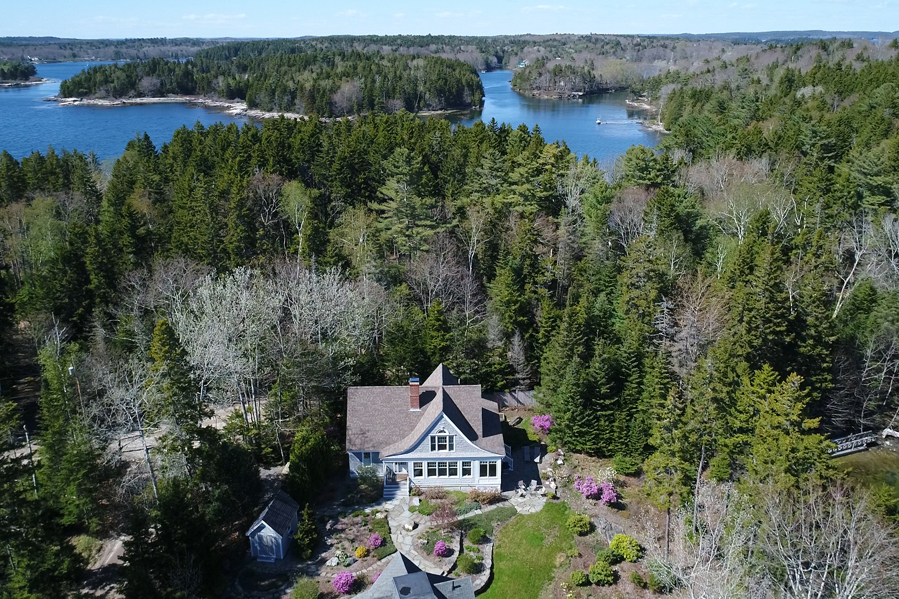 Single Family Home for Sale at 99 West Cundys Point Road Harpswell, Maine, 04079 United States