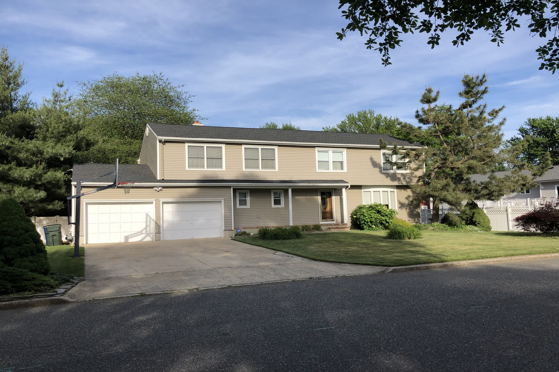 Single Family Homes for Sale at 1703 Melville St., Oakhurst 1703 Melville St. Oakhurst, New Jersey 07755 United States