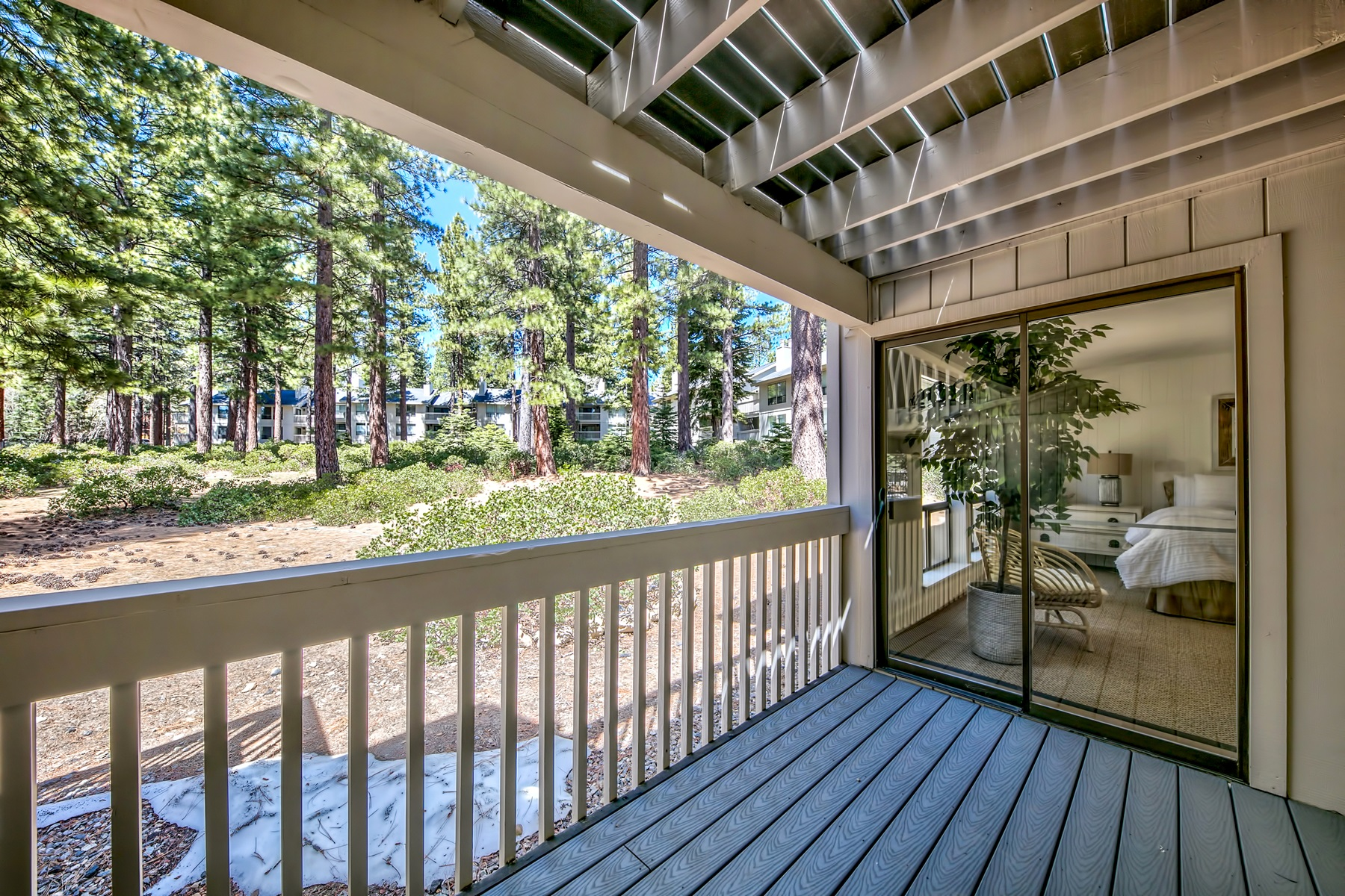 Additional photo for property listing at 171 Village Blvd, Unit #16, Incline Village, NV 89451 171 Village Blvd. Unit #16 Incline Village, Nevada 89451 United States